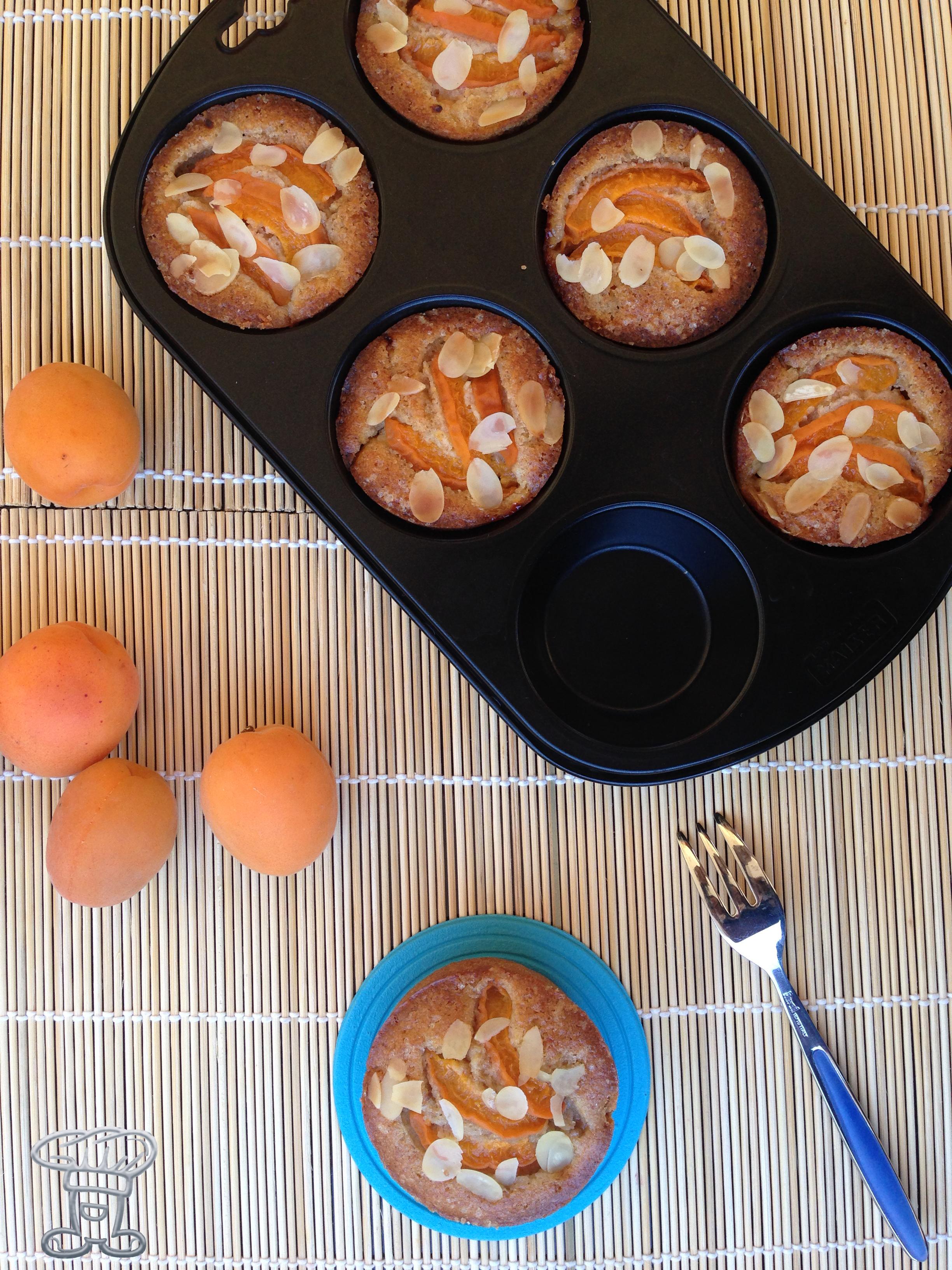 img_3089 Mini Muffin alle Mandorle e Albicocche (senza burro!!!)