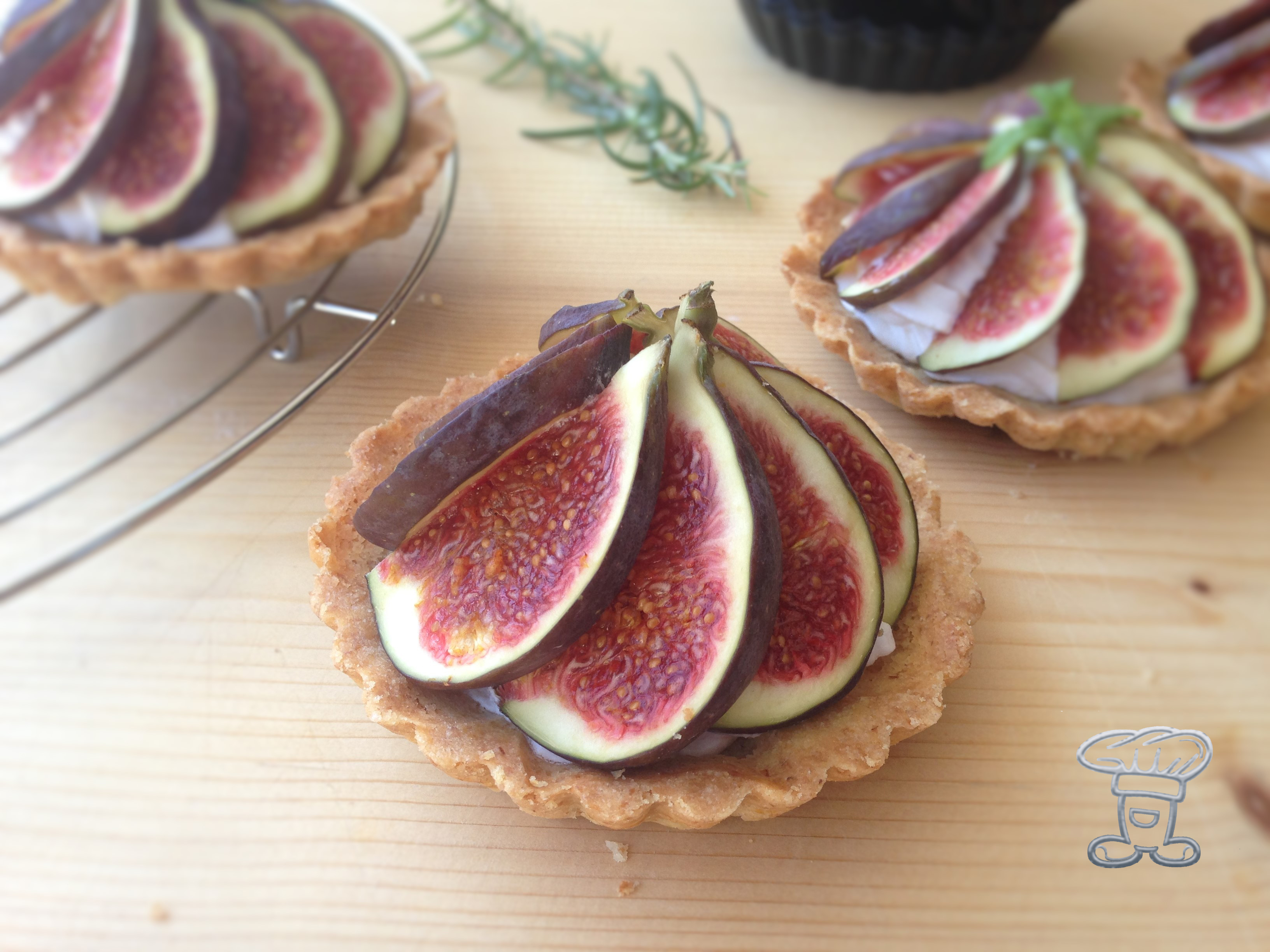 img_4224 RE-CAKE #11: la mia Rosemary Fig Tart