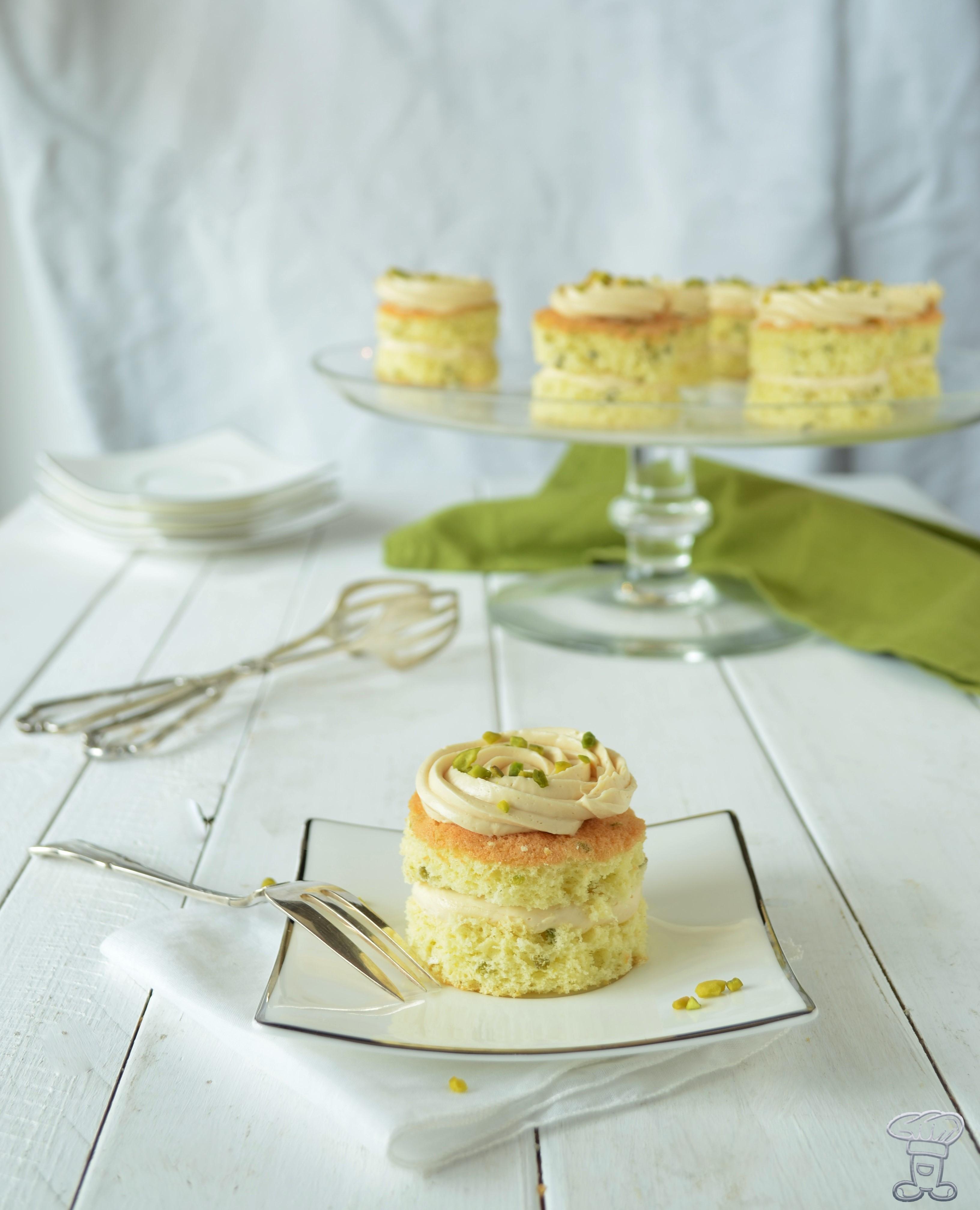 dsc_02283 Mini Pan di Spagna al Pistacchio e Crema al Caramello Salato