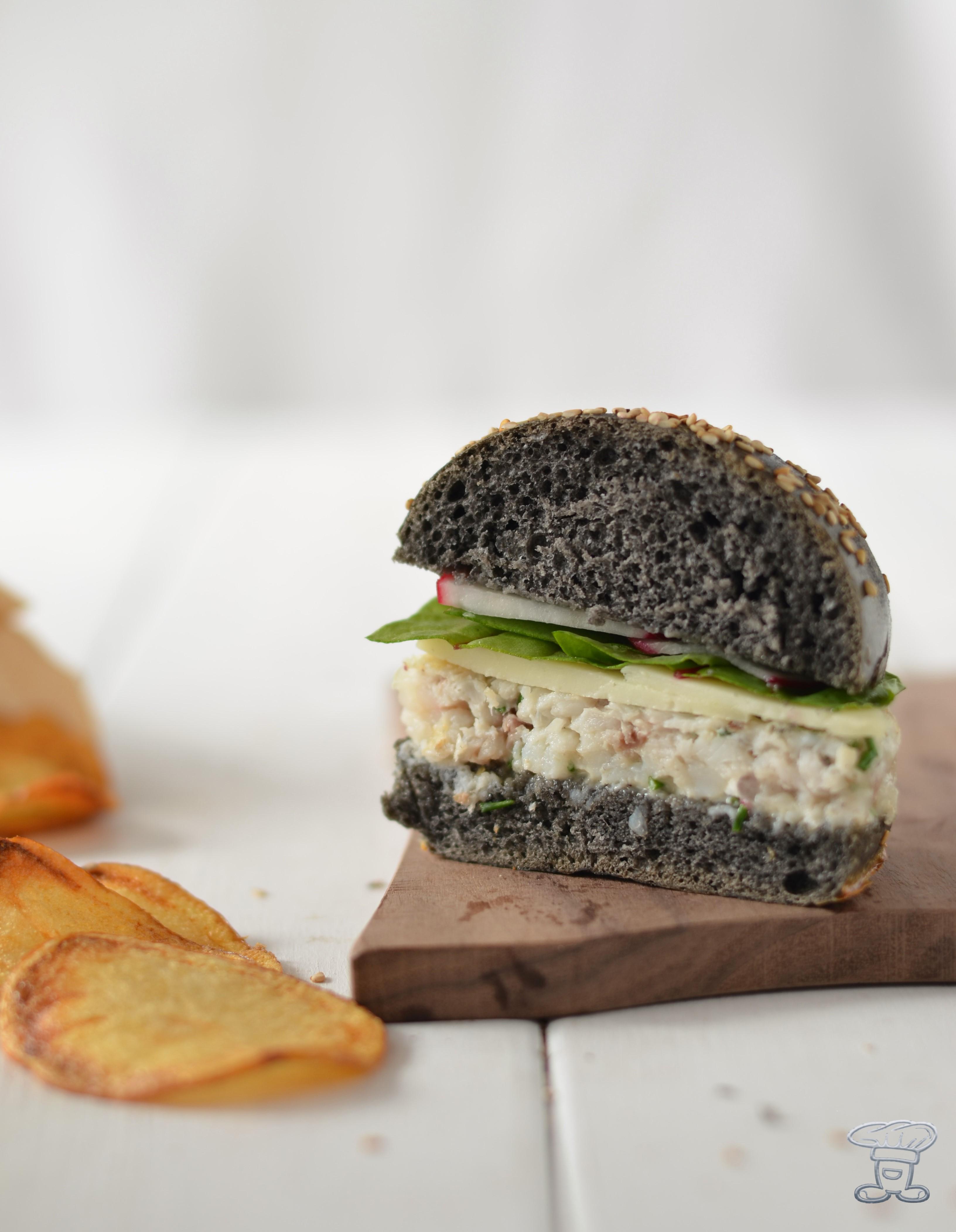 DSC_0392 Burger al nero, maionese alla vaniglia, orata, red chard e ravanello croccante