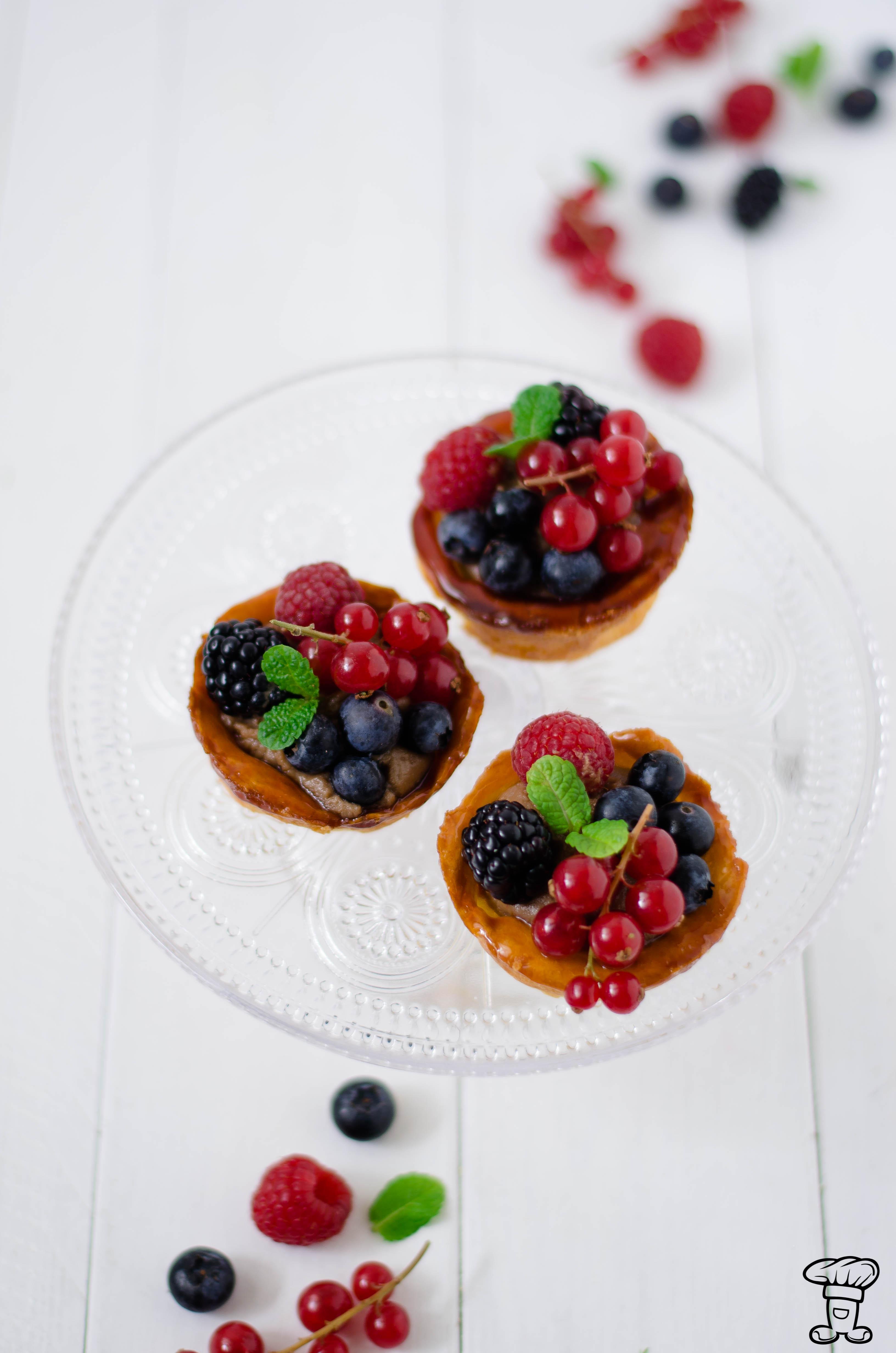 Trat_choux_fruttibosco1-1 Tartelettes di pasta choux, cioccolato e frutti di bosco