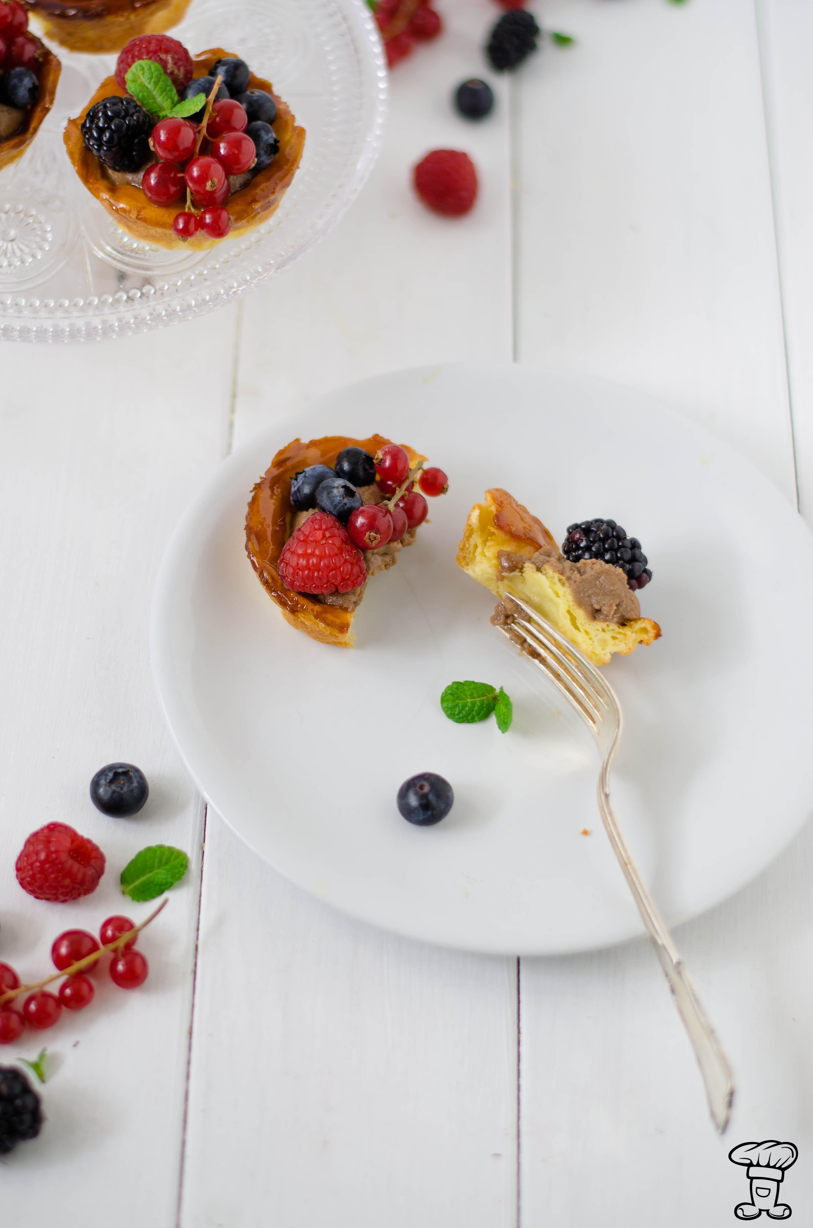 Trat_choux_fruttibosco2 Tartelettes di pasta choux, cioccolato e frutti di bosco