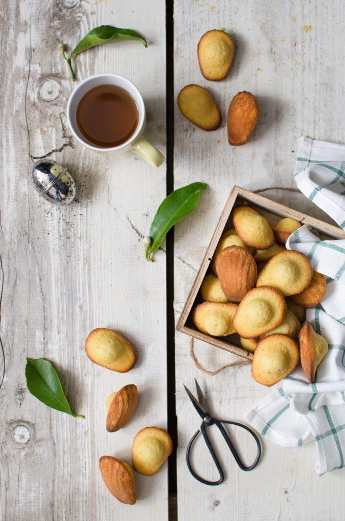 Madeleines al limone (video ricetta)