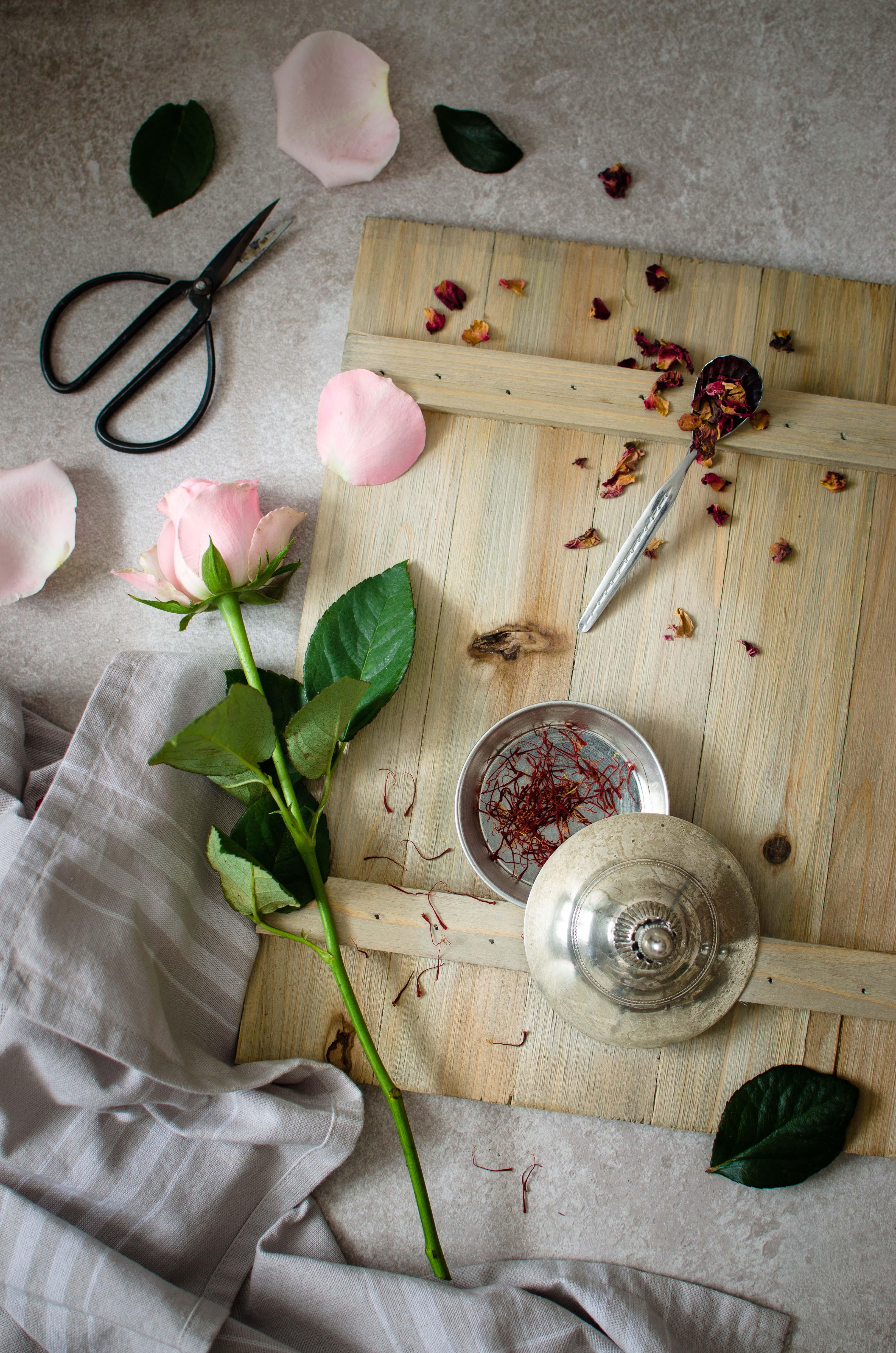 zafferano_agrumi_rosa1 Tartelette zafferano, agrumi e rose