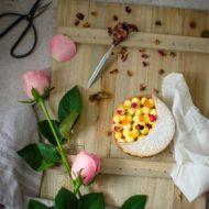 Tartelette zafferano, agrumi e rose