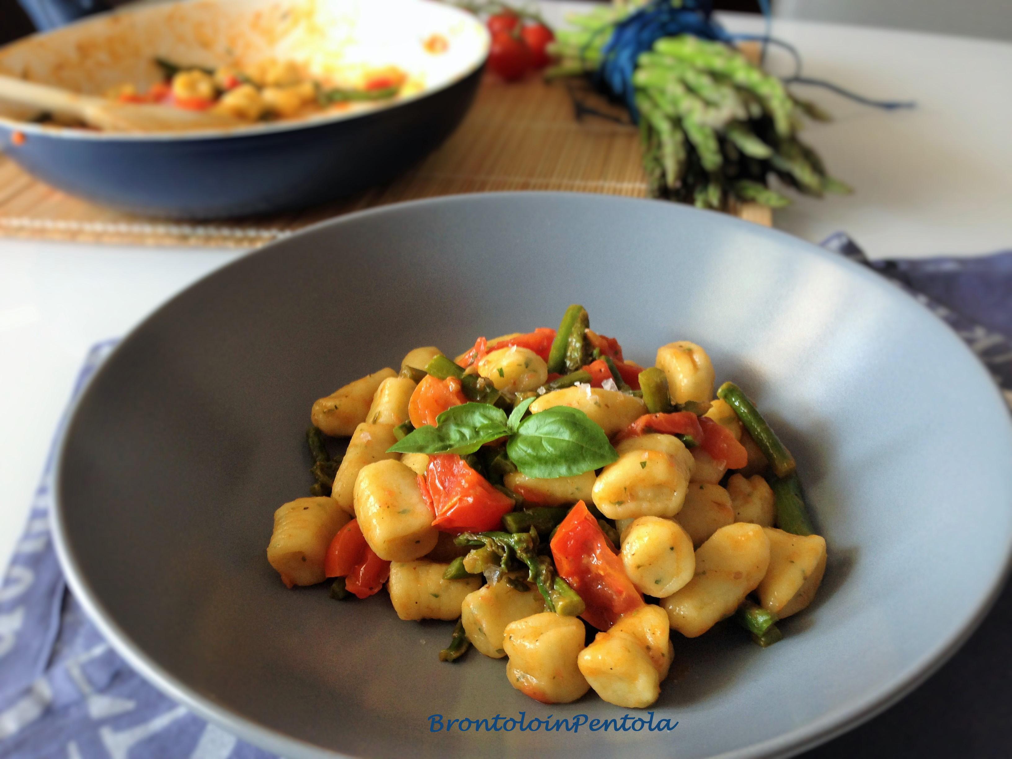 img_2721 Gnocchi alle erbe aromatiche con pomodori pachino ed asparagi