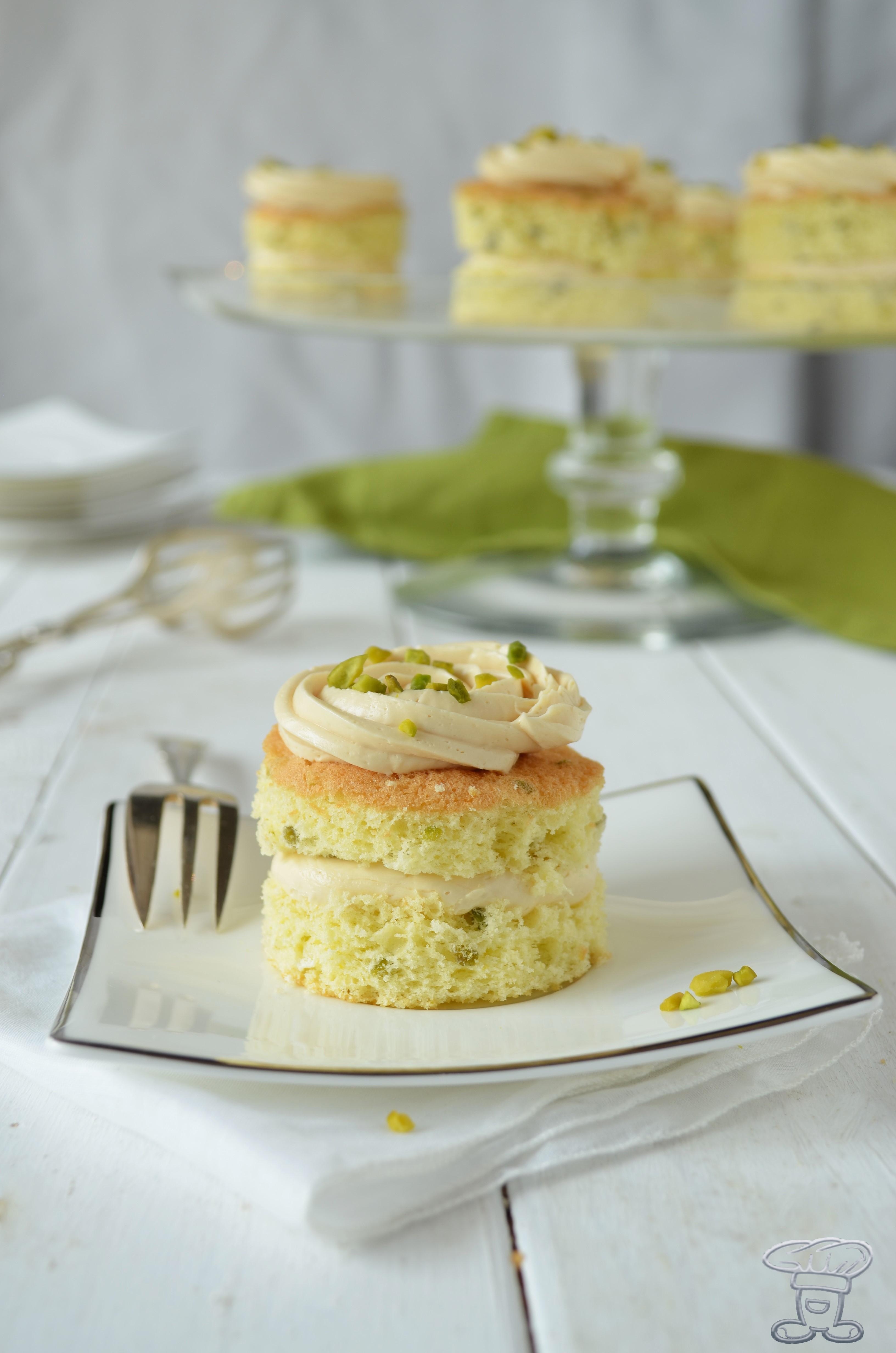 dsc_0238 Mini Pan di Spagna al Pistacchio e Crema al Caramello Salato