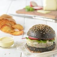 Burger al nero, maionese alla vaniglia, orata, red chard e ravanello croccante