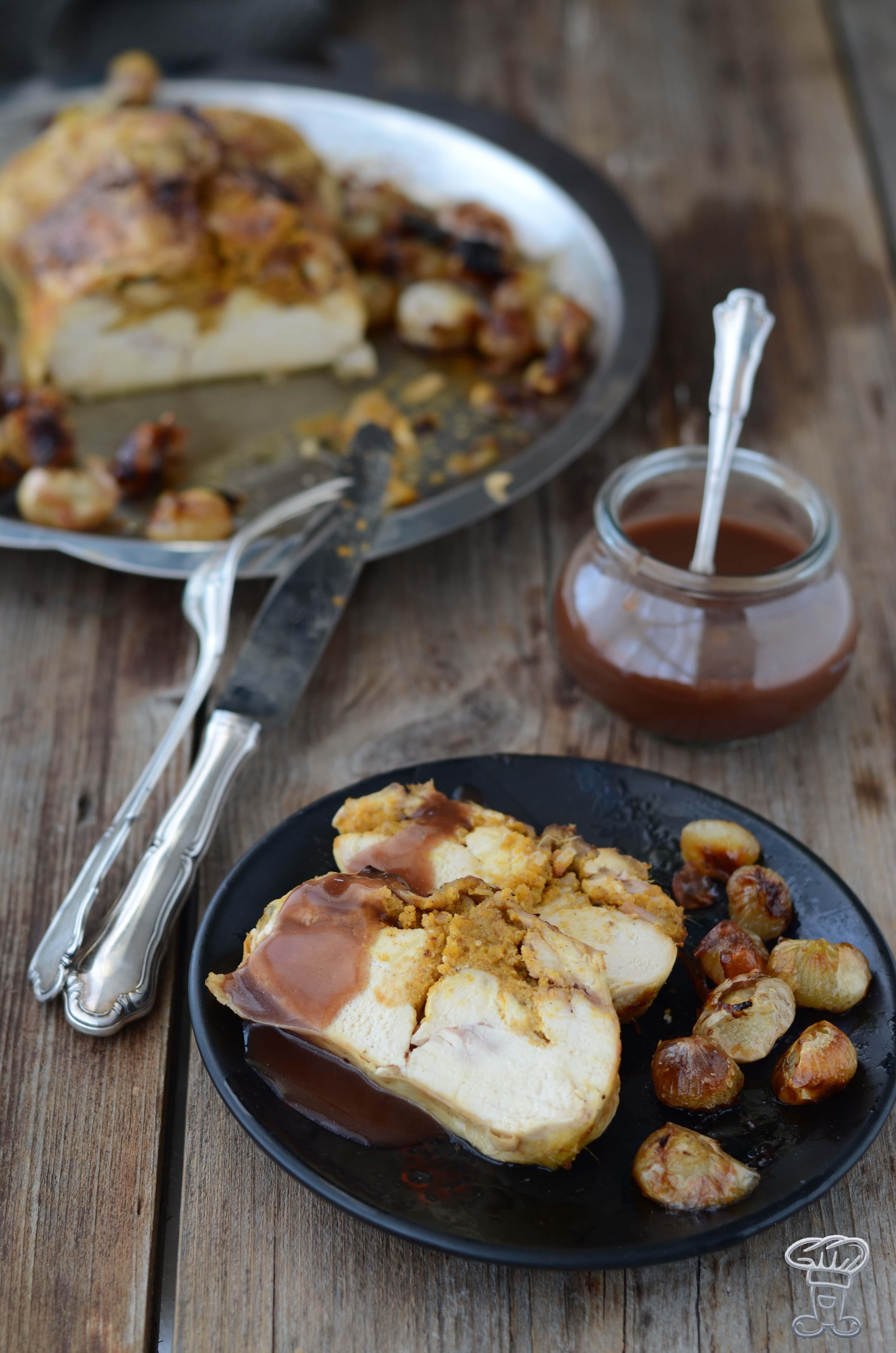 pollo-ripieno-8 Pollo ripieno di Zucca, amaretti, lardo, finocchietto e Salsa al cacao