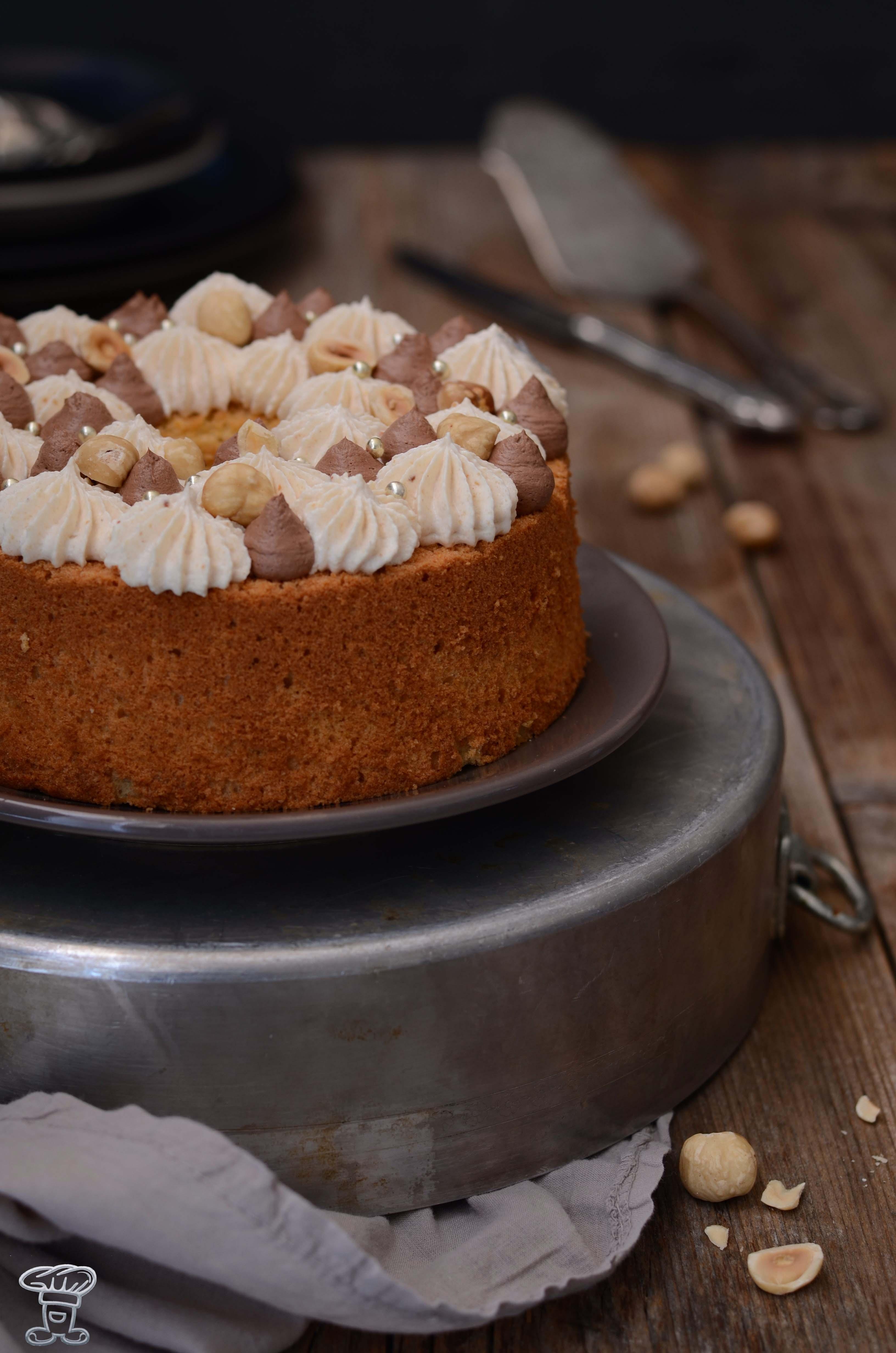 sponge_nocciole Fluffosa (ovvero chiffon cake) alla Pasta di Nocciole