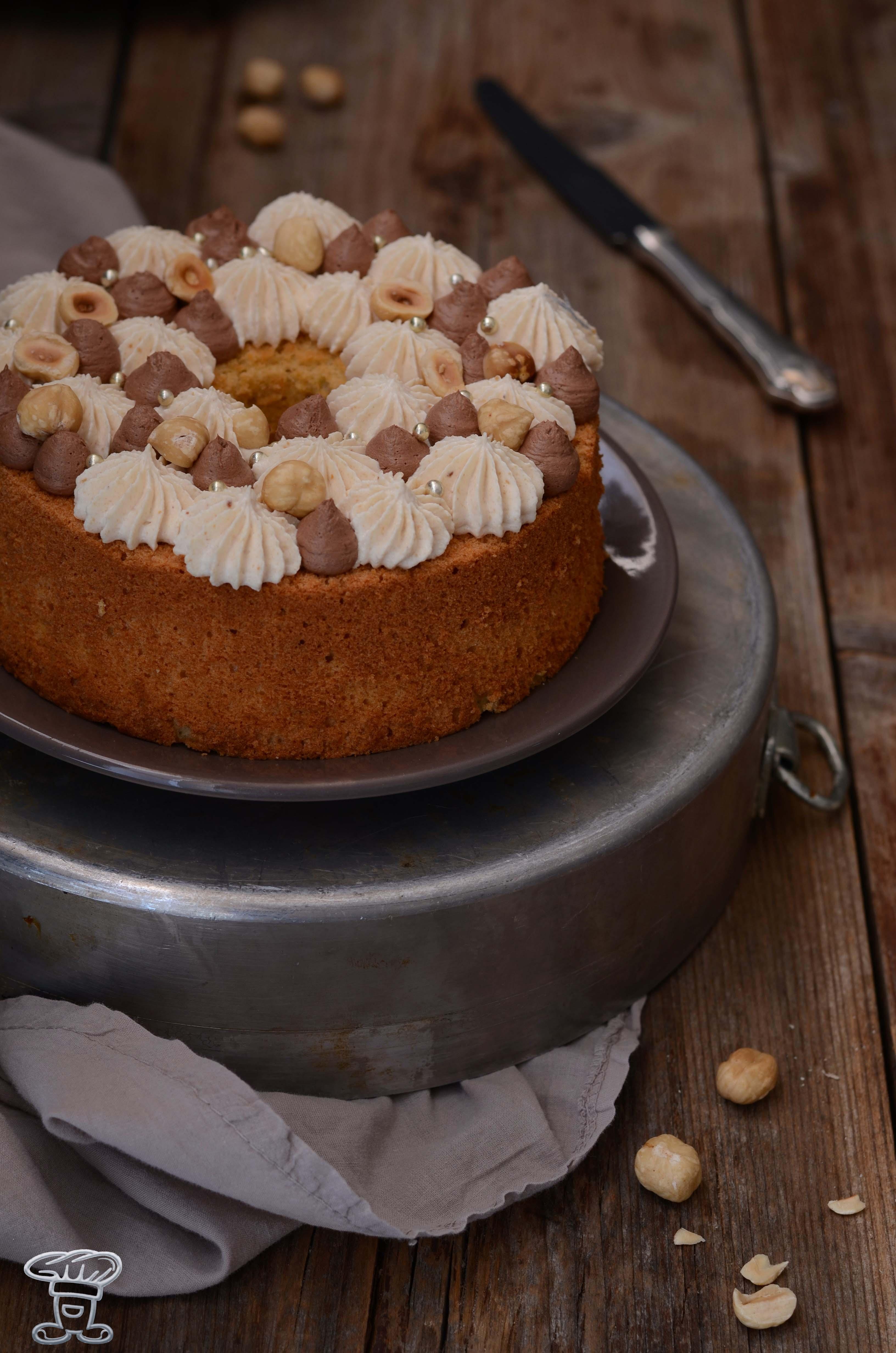 sponge_nocciole3 Fluffosa (ovvero chiffon cake) alla Pasta di Nocciole
