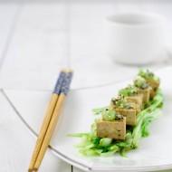 Tofu marinato, puntarelle e kiwi