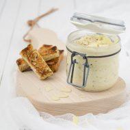 Hummus di asparagi bianchi e mandorle