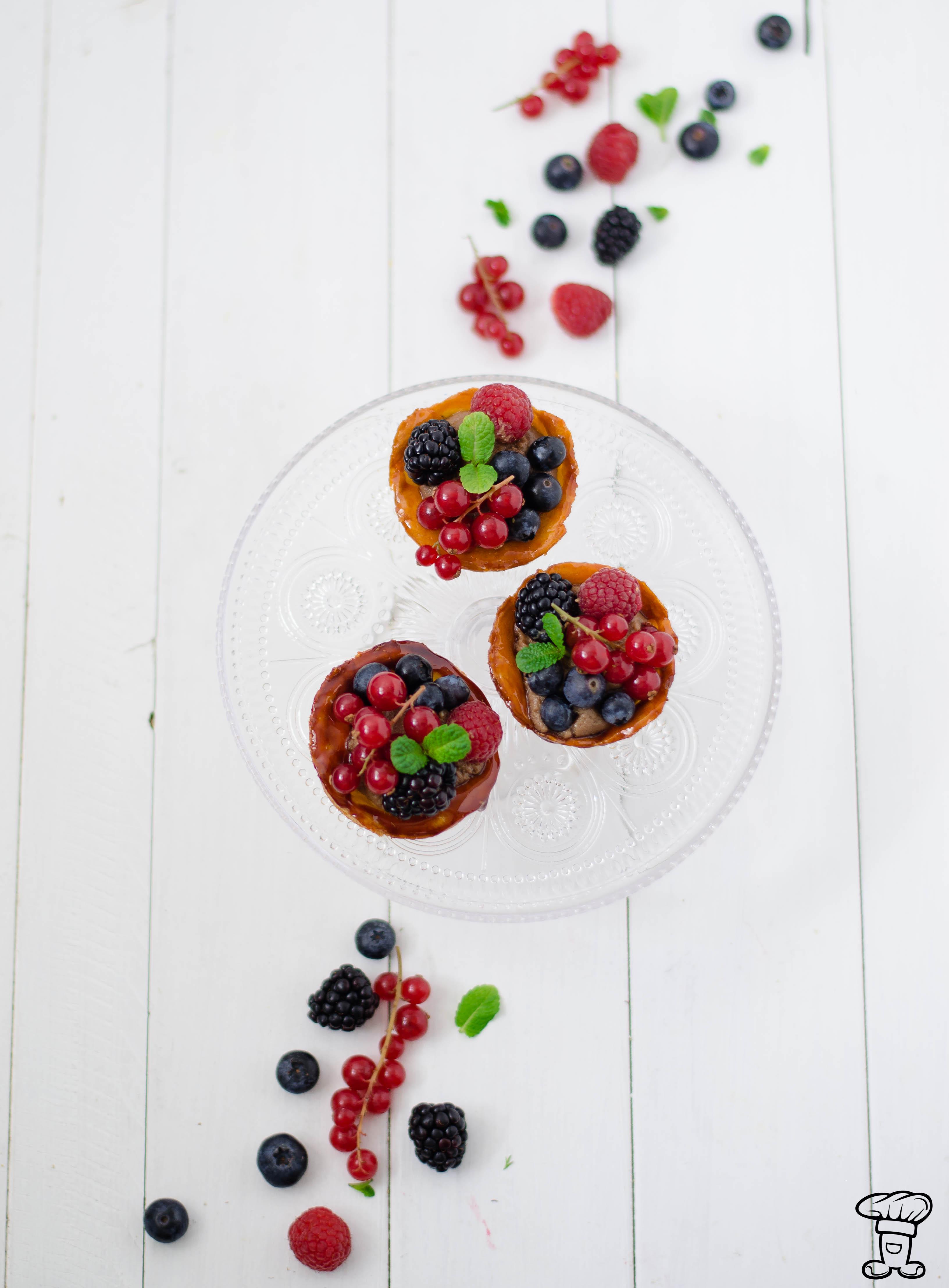 Trat_choux_fruttibosco Tartelettes di pasta choux, cioccolato e frutti di bosco
