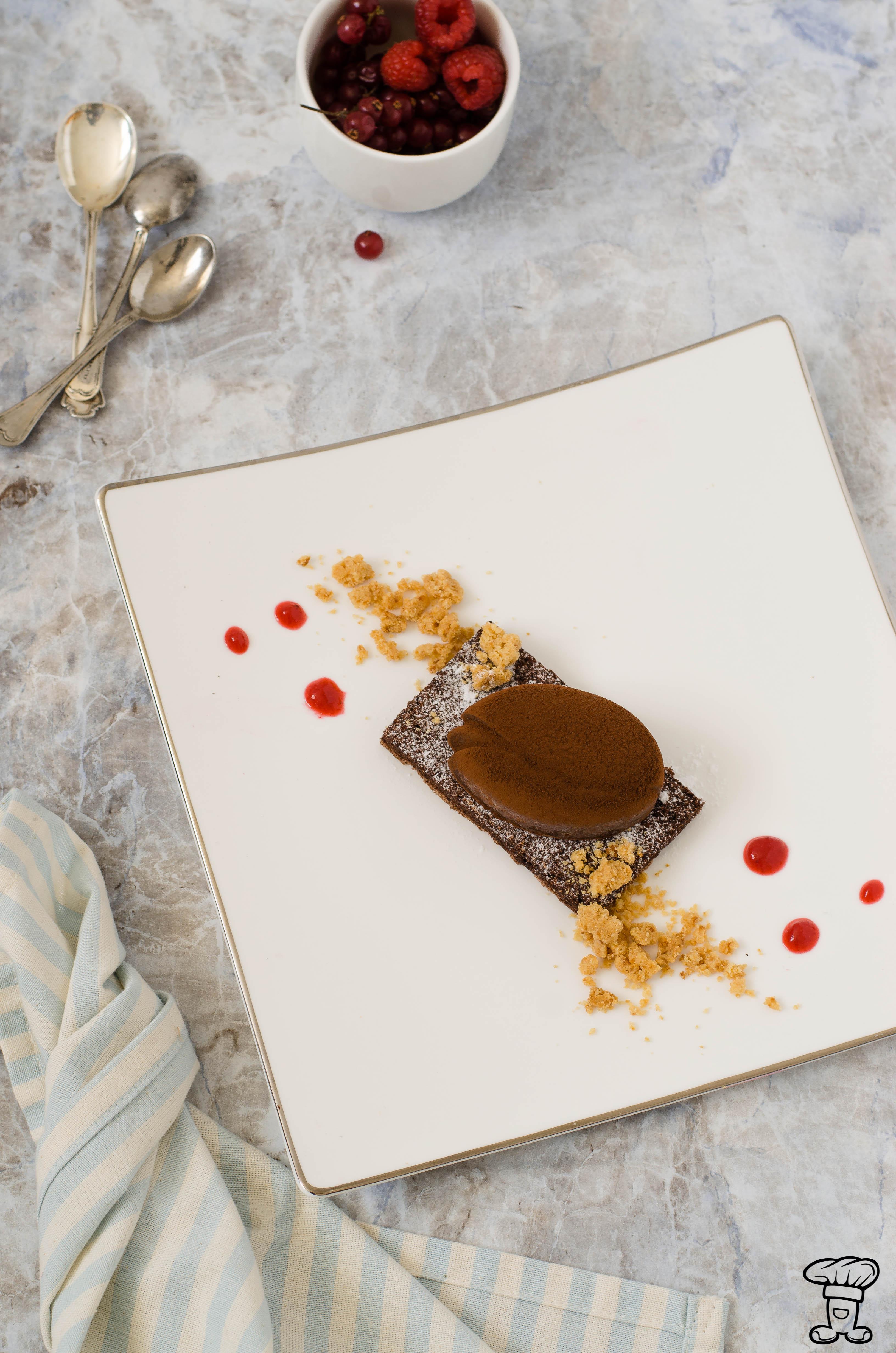 Pave_cioccolato3 Tulipano fondente con cuore gelée e streusel bianco