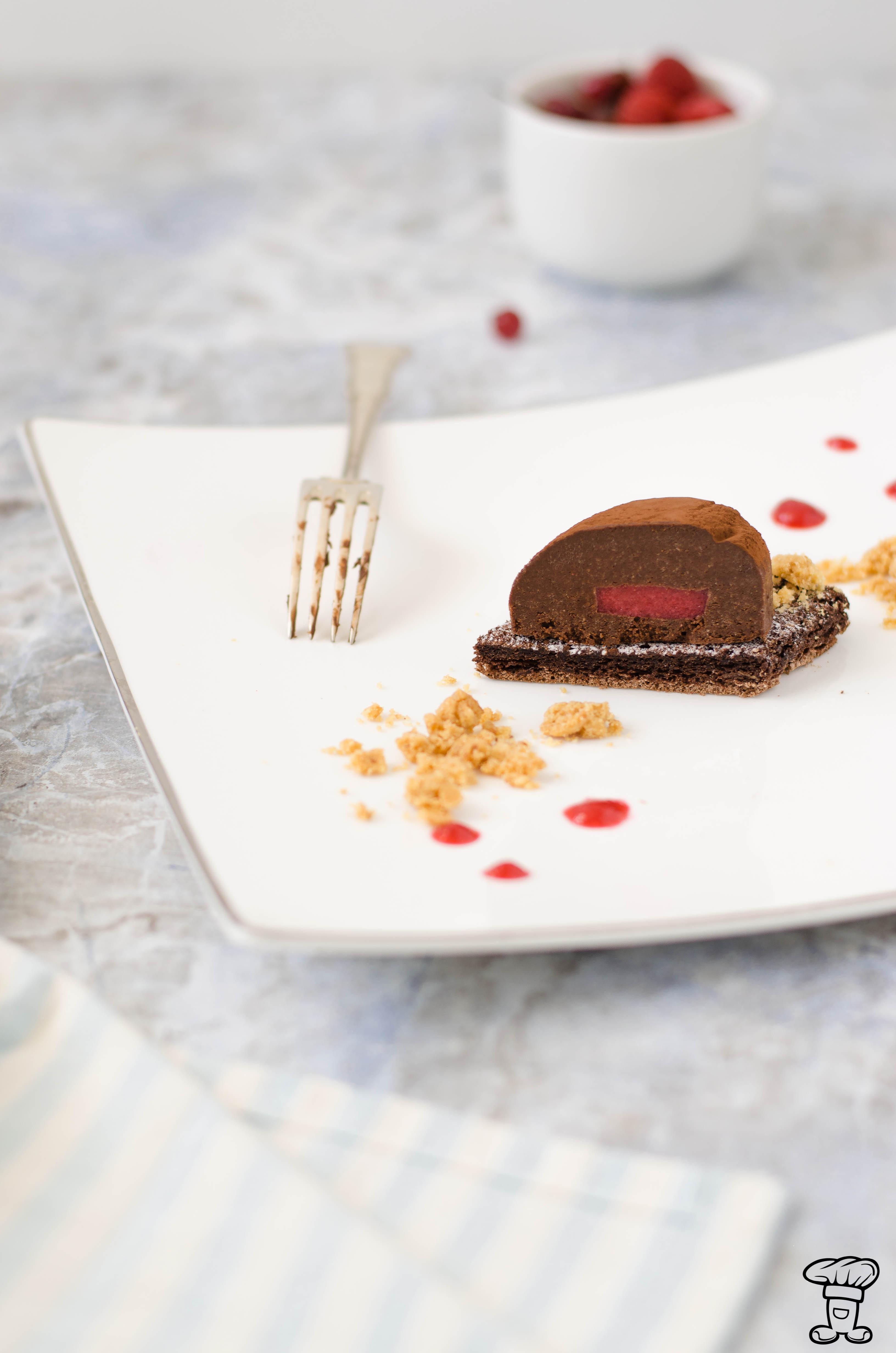 Pave_cioccolato5 Tulipano fondente con cuore gelée e streusel bianco