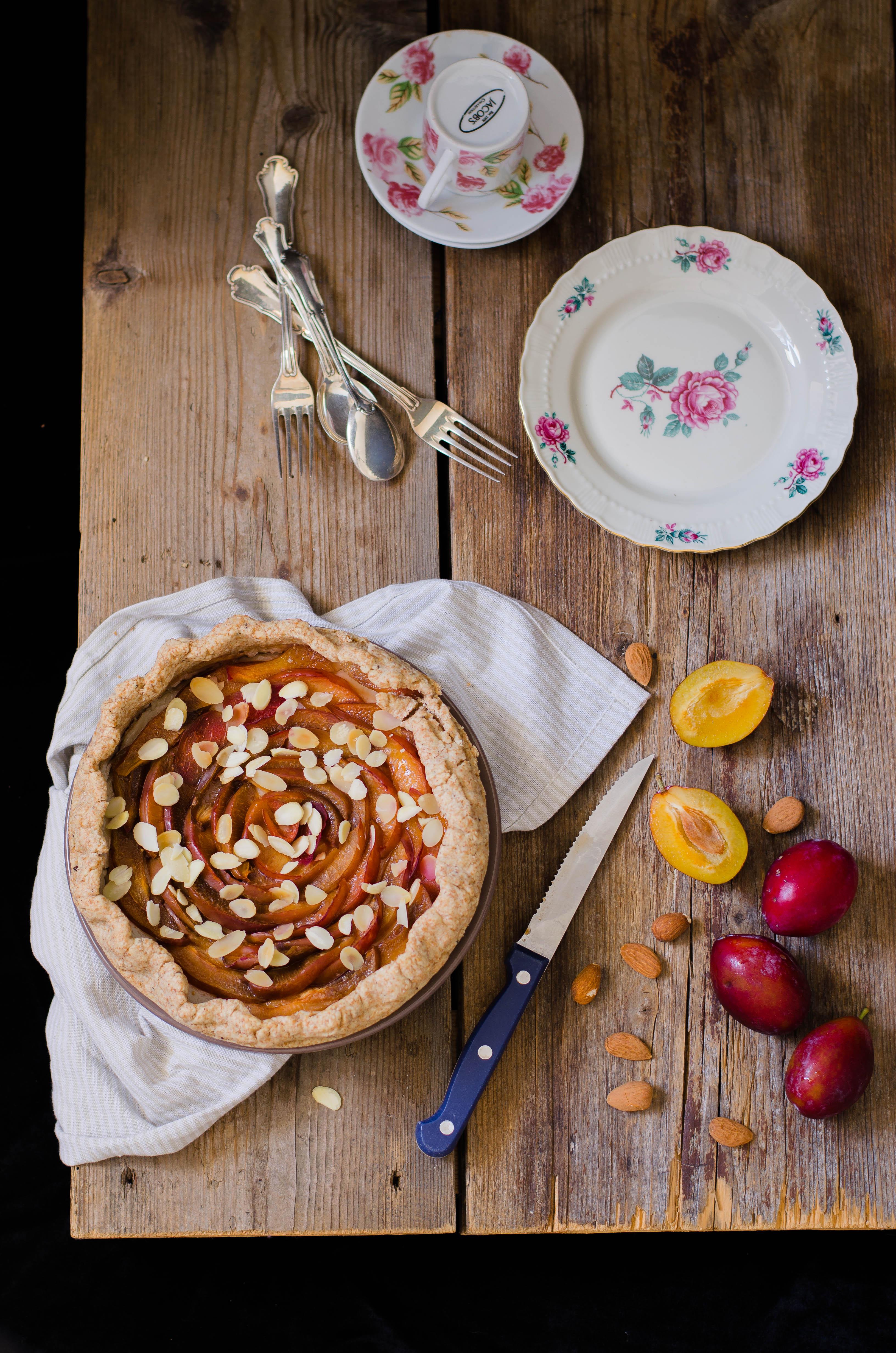 pie_prugne_miele1 Torta di prugne con crema aromatizzata al miele di fico d'india