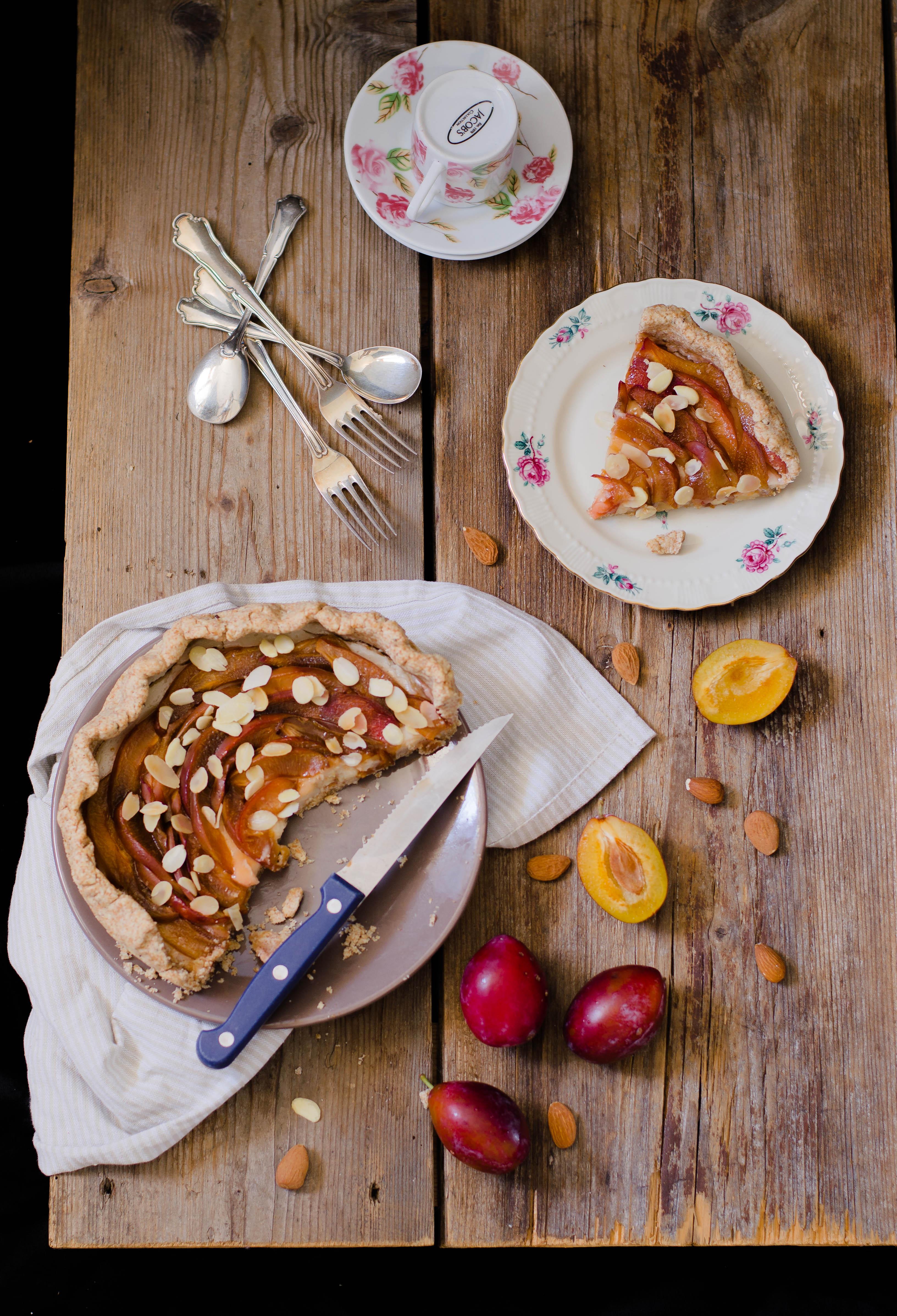 pie_prugne_miele23 Torta di prugne con crema aromatizzata al miele di fico d'india