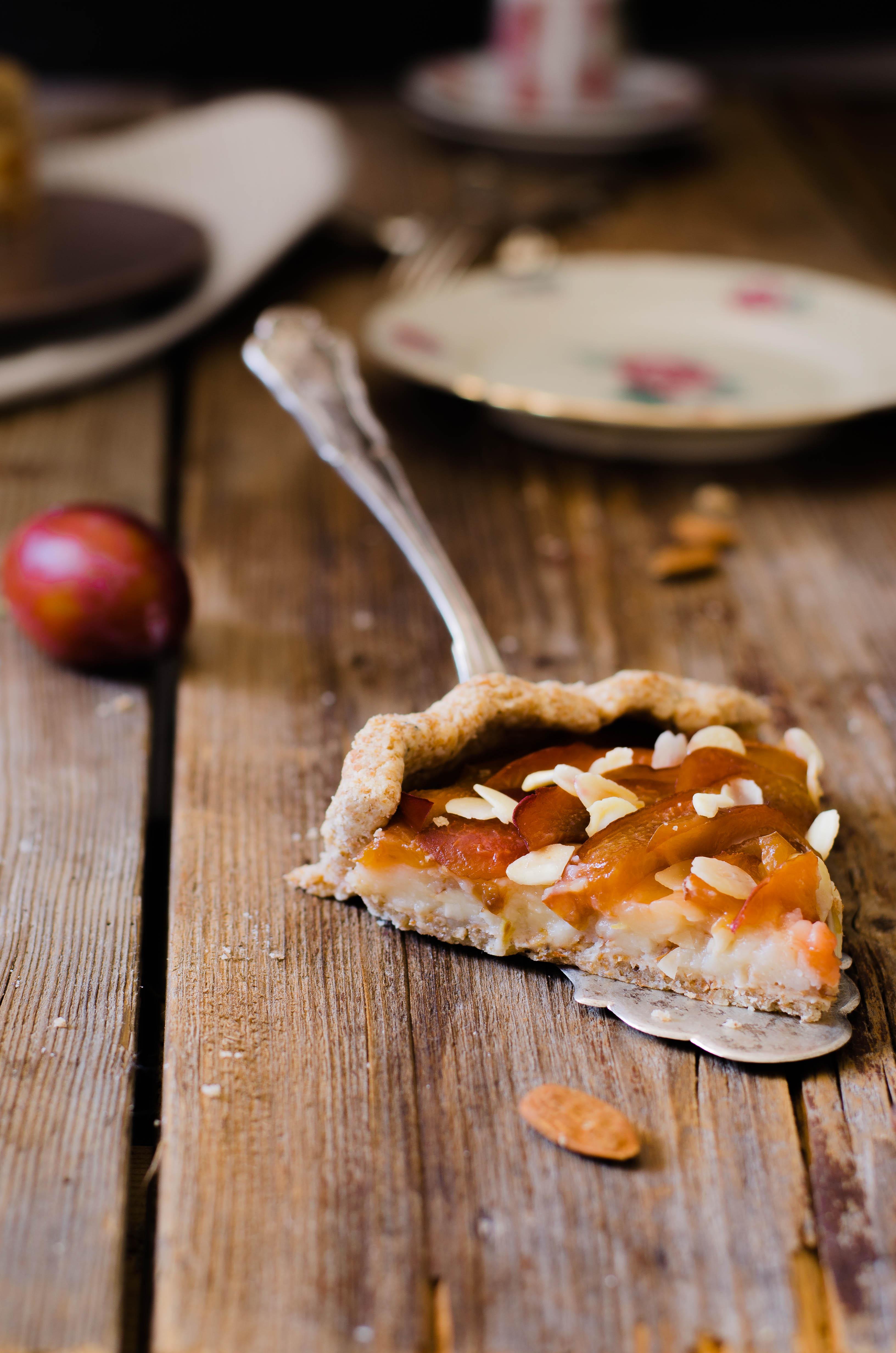 pie_prugne_miele4 Torta di prugne con crema aromatizzata al miele di fico d'india