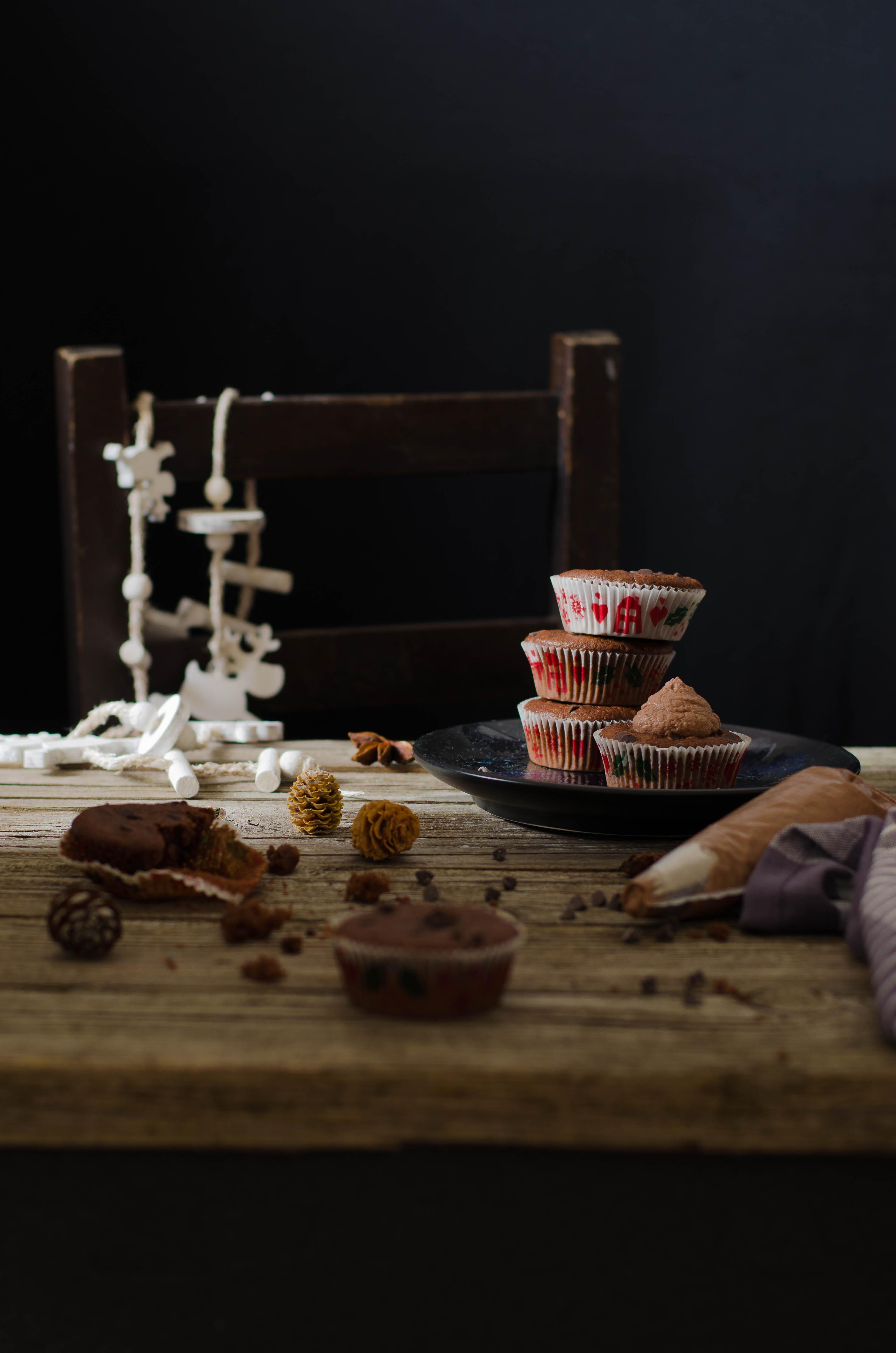 cupcake_cacao_meringa1 Cupcakes al doppio cioccolato, crema meringa, mascarpone e cacao