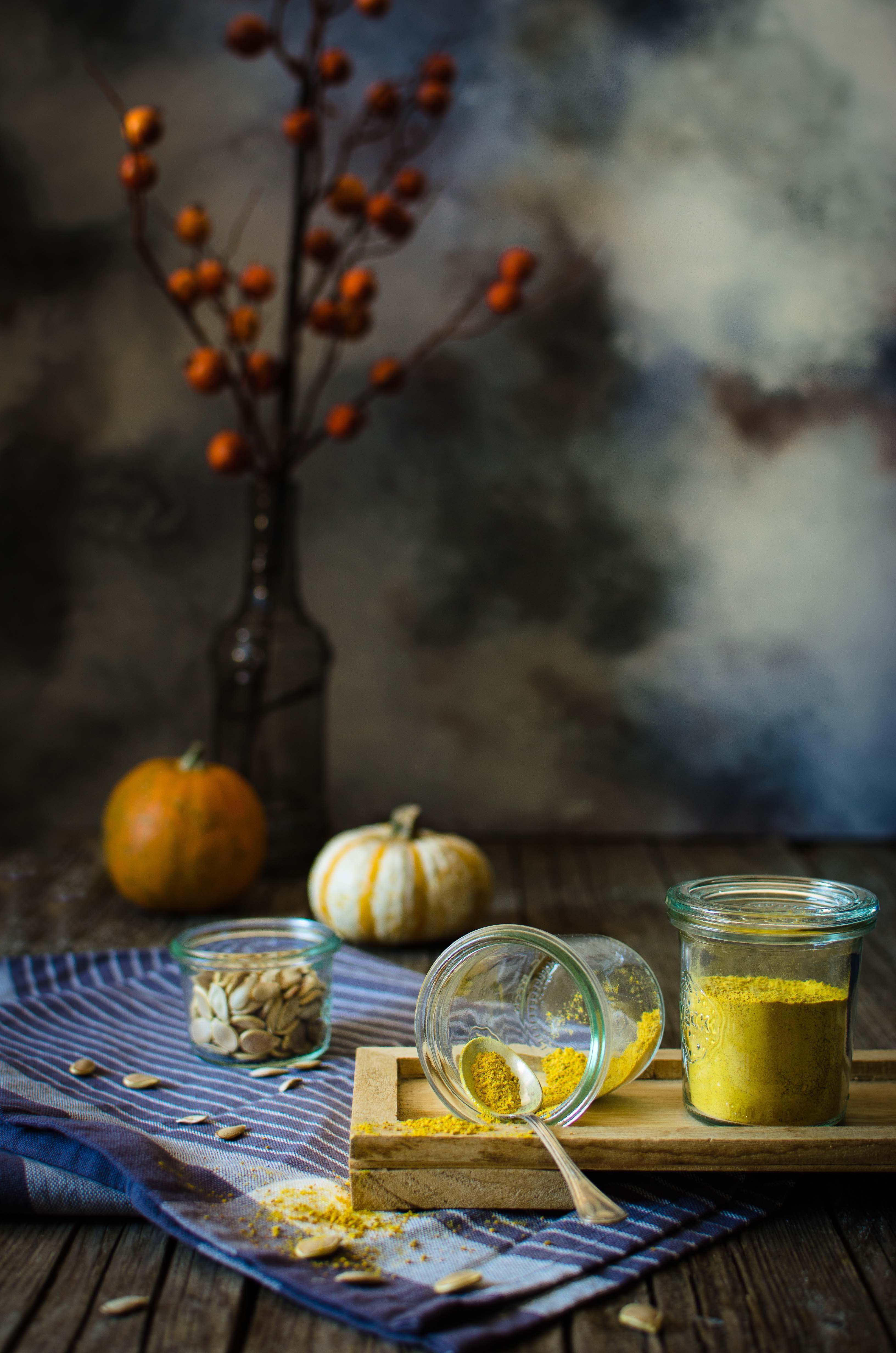 polvere-zucca-essiccata Plum cake con crumble alla zucca e spezie
