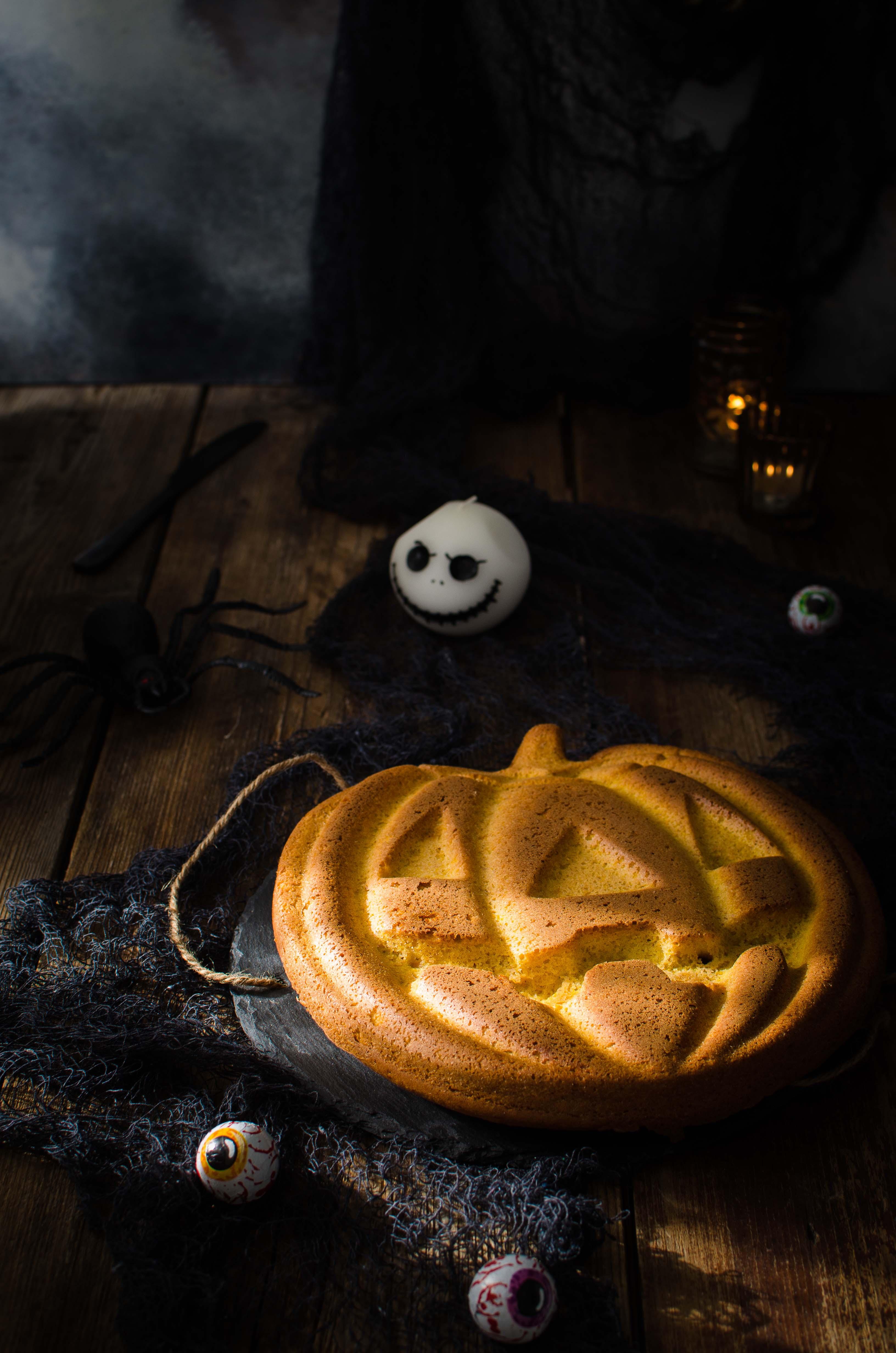 """alt=""""pumpkin-cake-halloween Torta di zucca con golden syrup"""""""