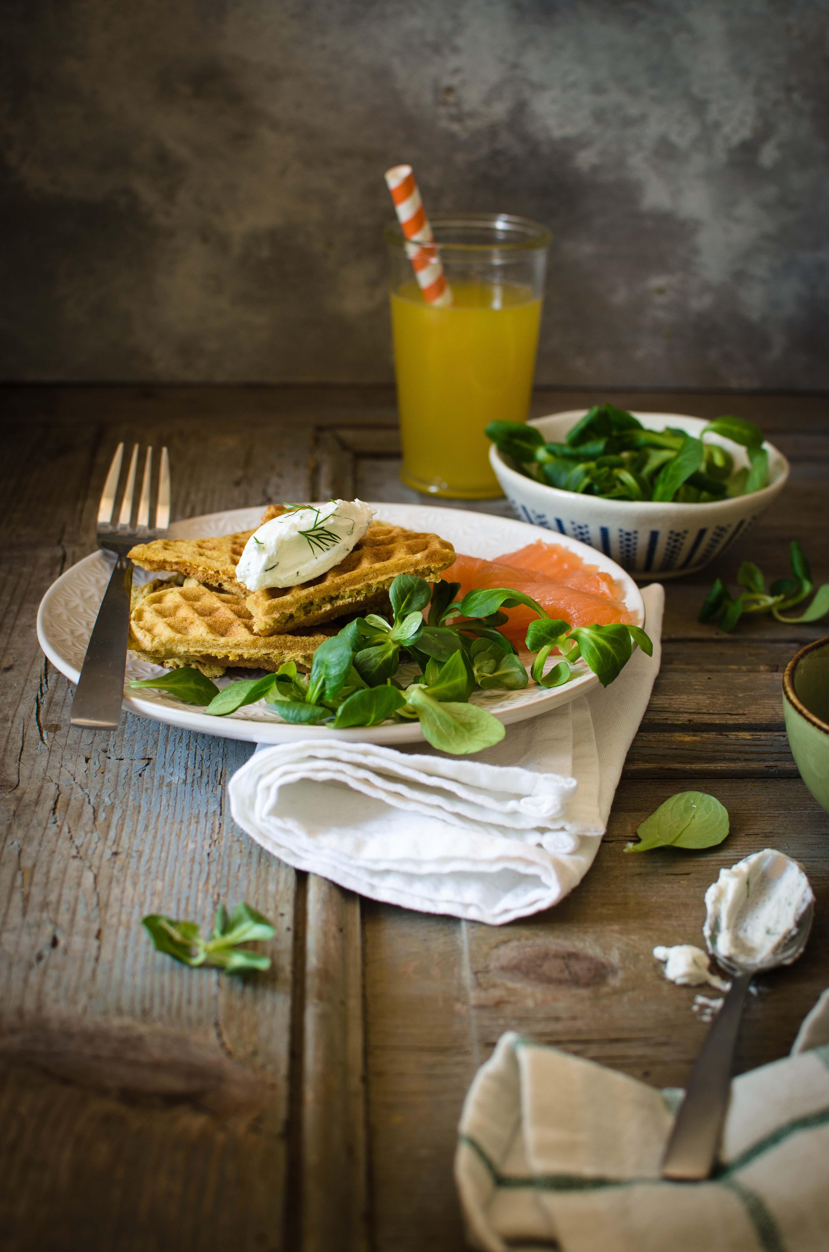 Waffle-formaggio Waffle salati senza glutine con farina di piselli