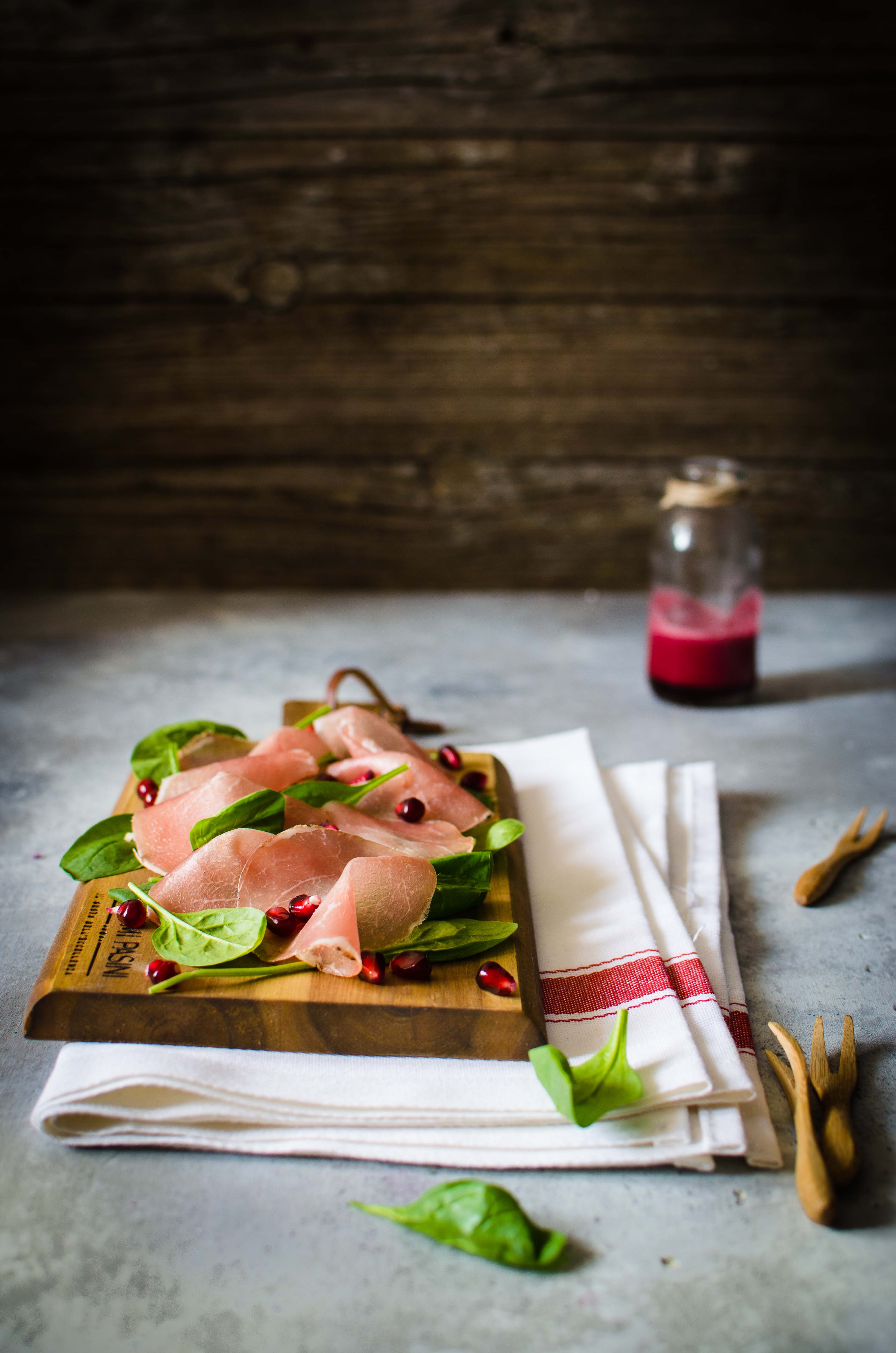 bresaola-vinaigrette-melograno Bresaola di suino e vinaigrette al melograno