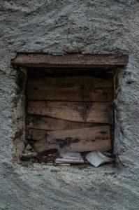 finestra-cocci-199x300 finestra cocci