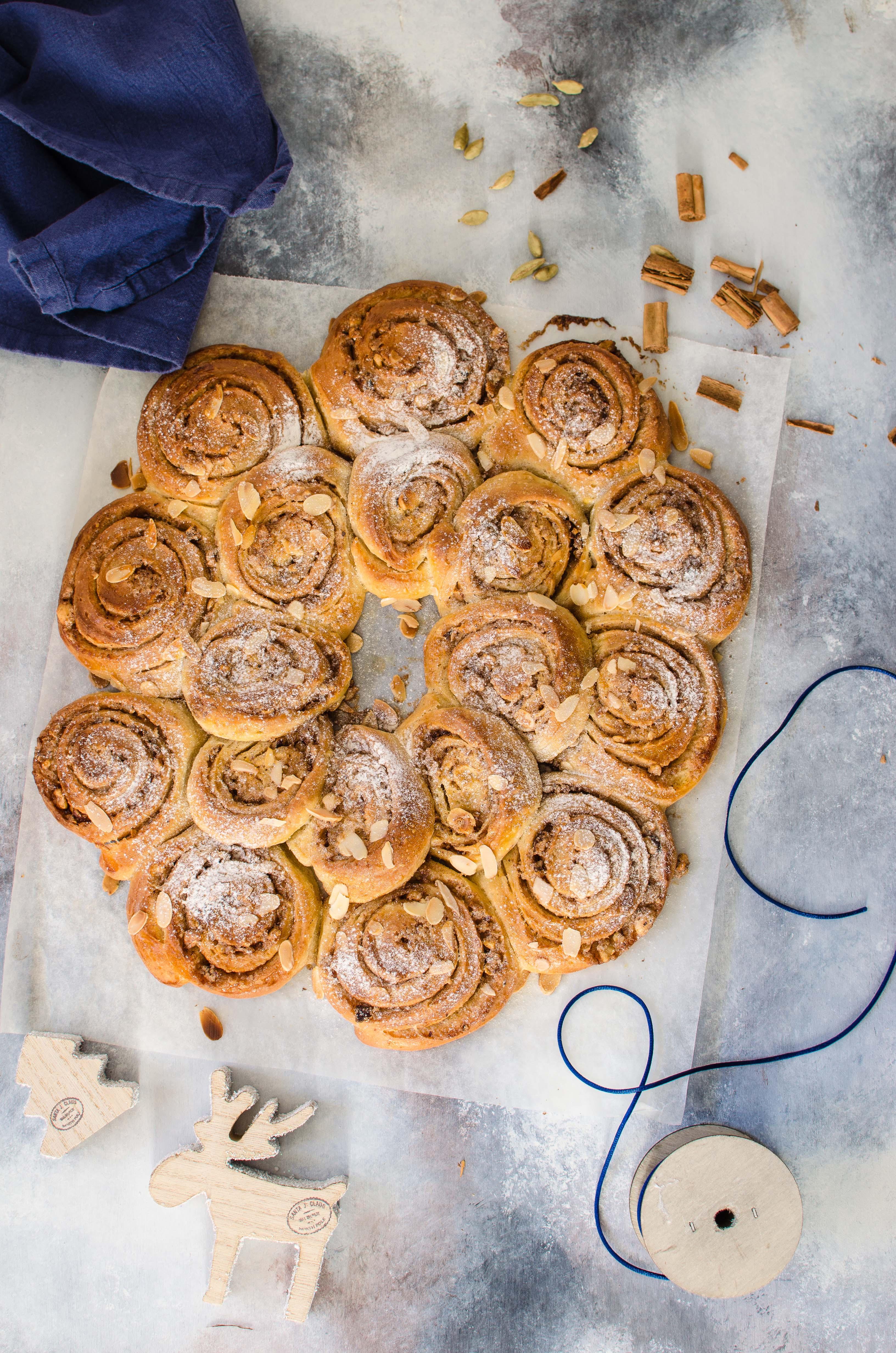 cinnamon-rolls-mandorle Cinnamon rolls con lievito madre