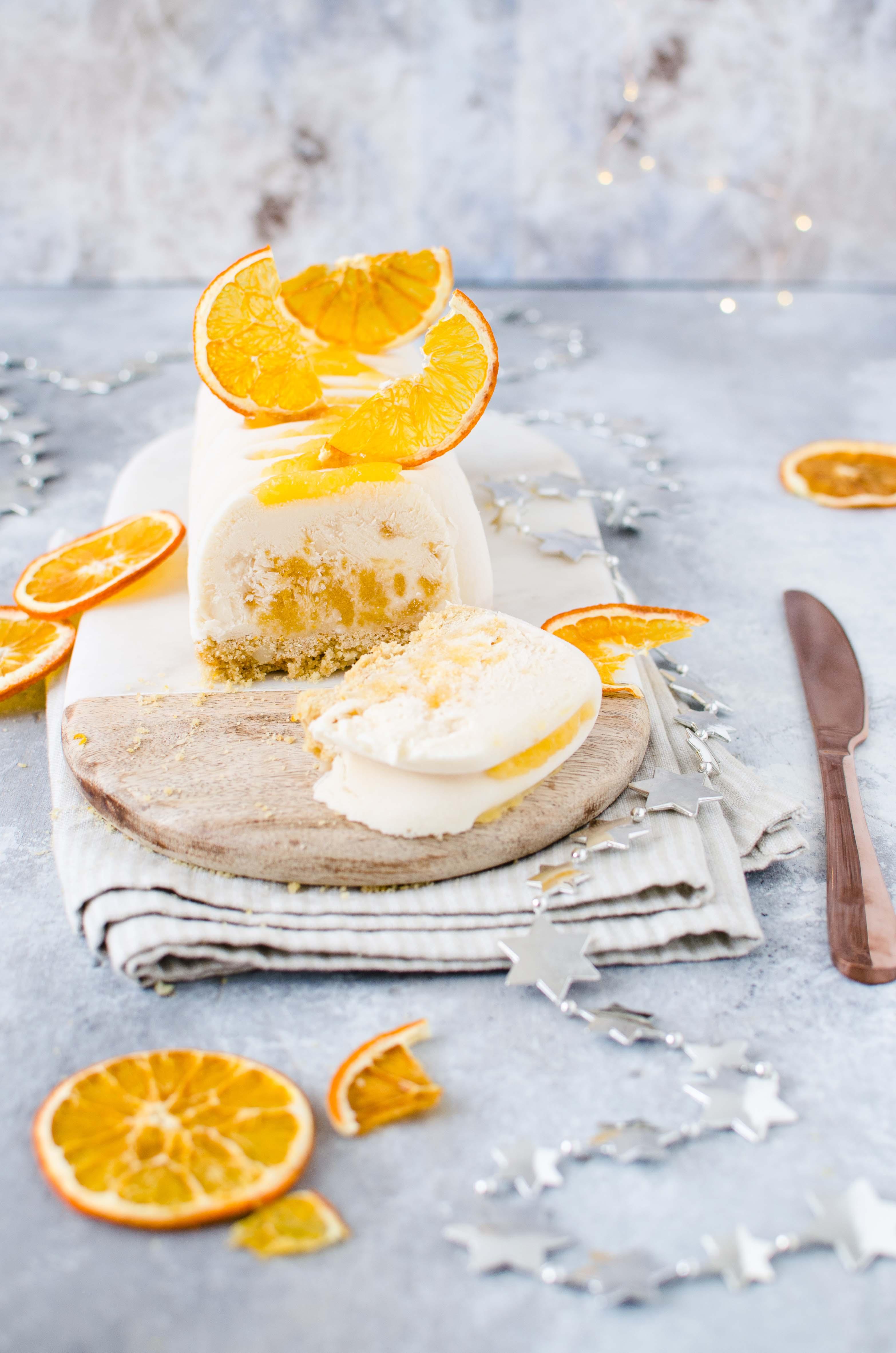 gelato-di-yogurt-arancia Tronchetto di gelato alle mandorle con gelée all'arancia
