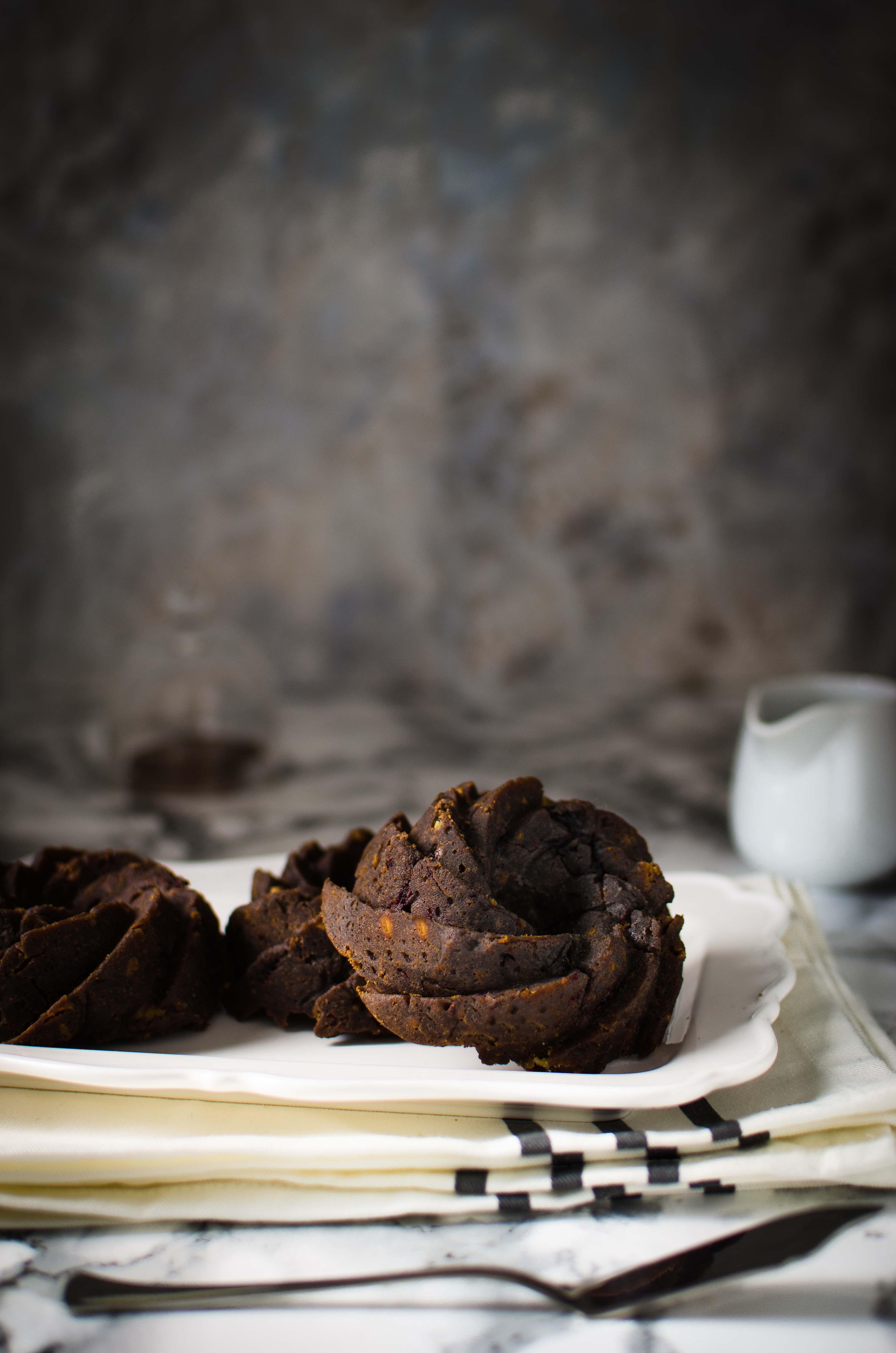 torta-pralinata-gianduia Piccole bundt cake pralinate, senza glutine