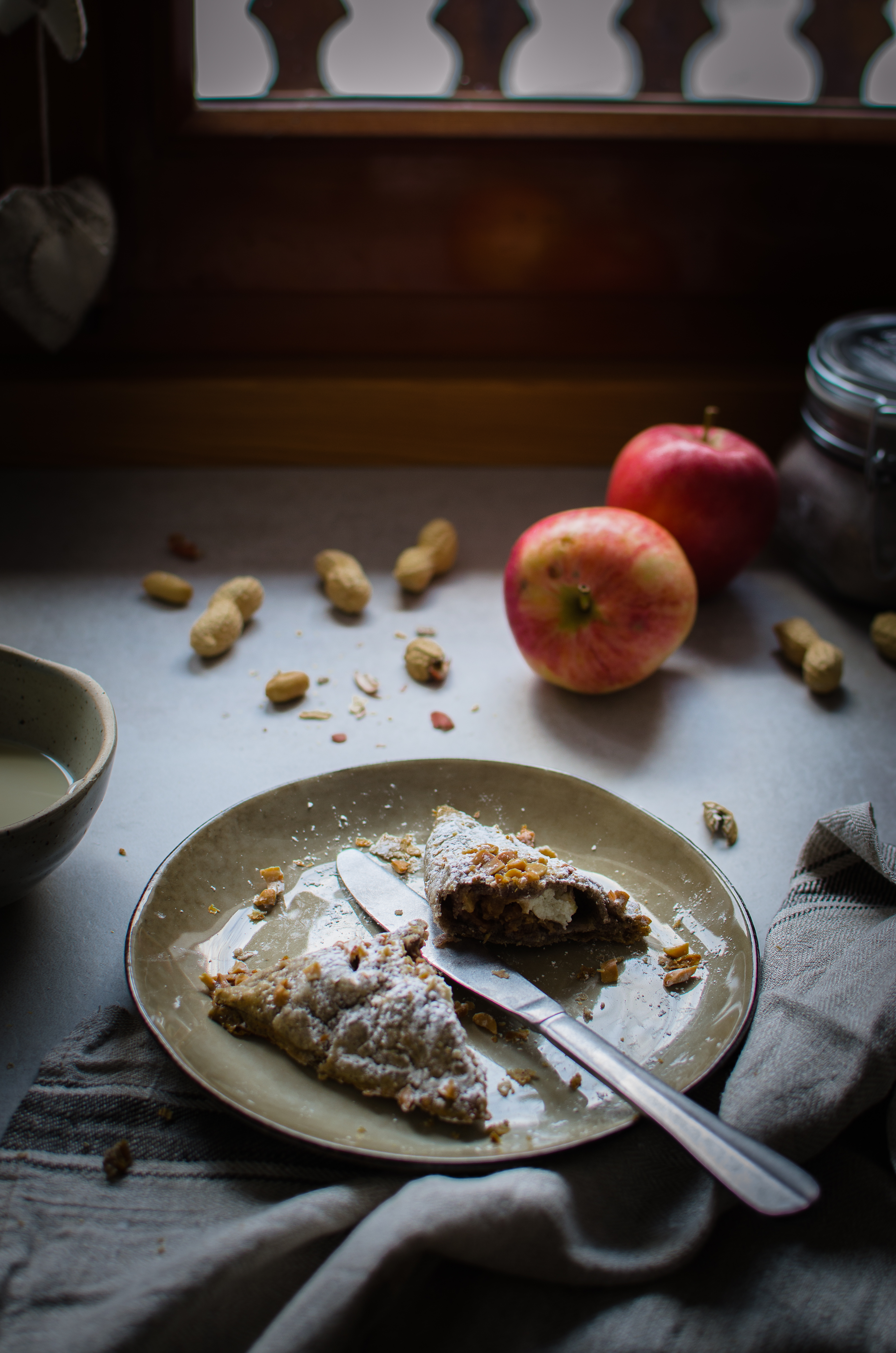 turnovers-arachidi Turnovers mele, arachidi, cannella e ricotta di capra