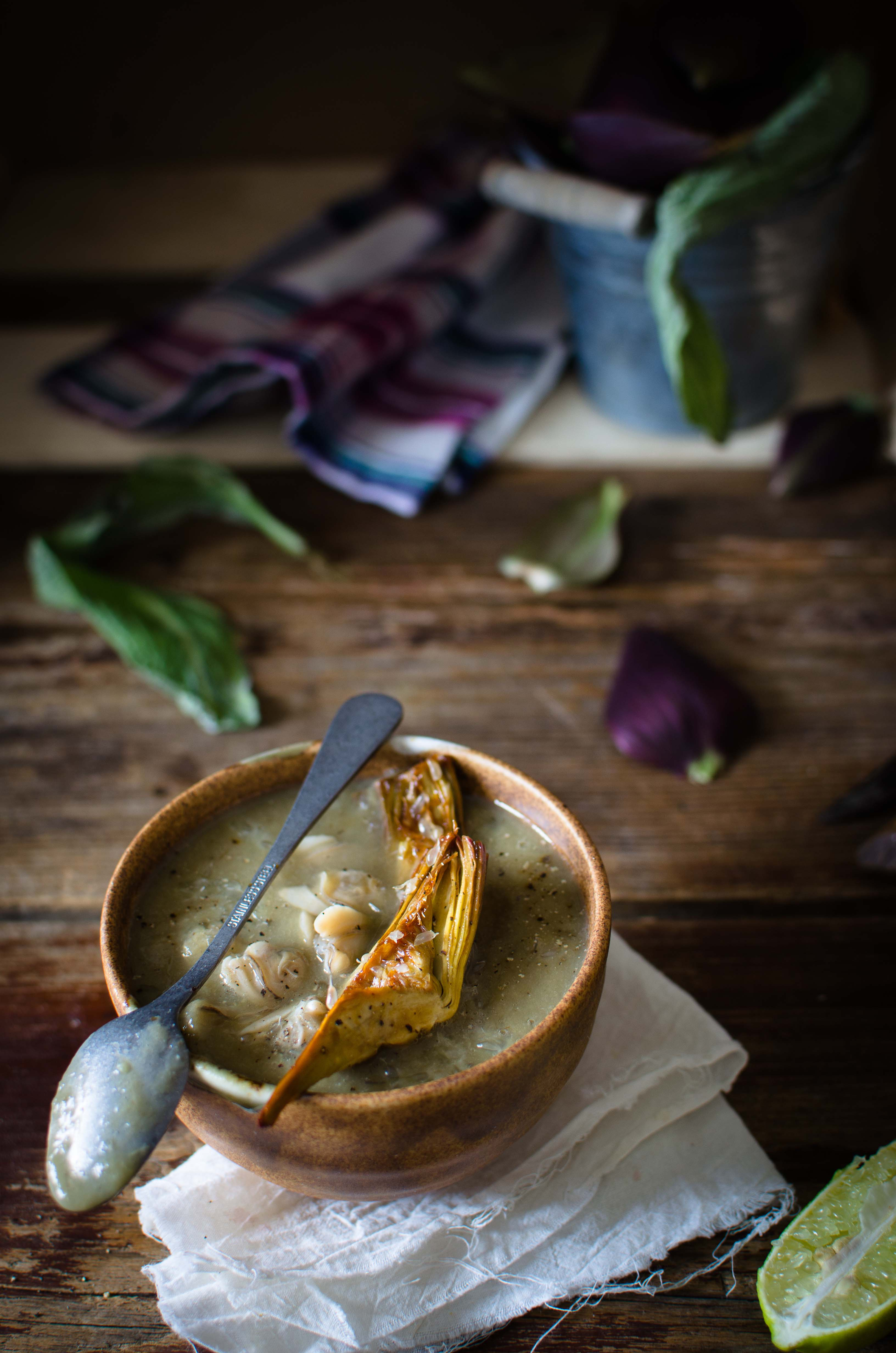 carciofi-vongole Crema di carciofi, vongole e finger lime