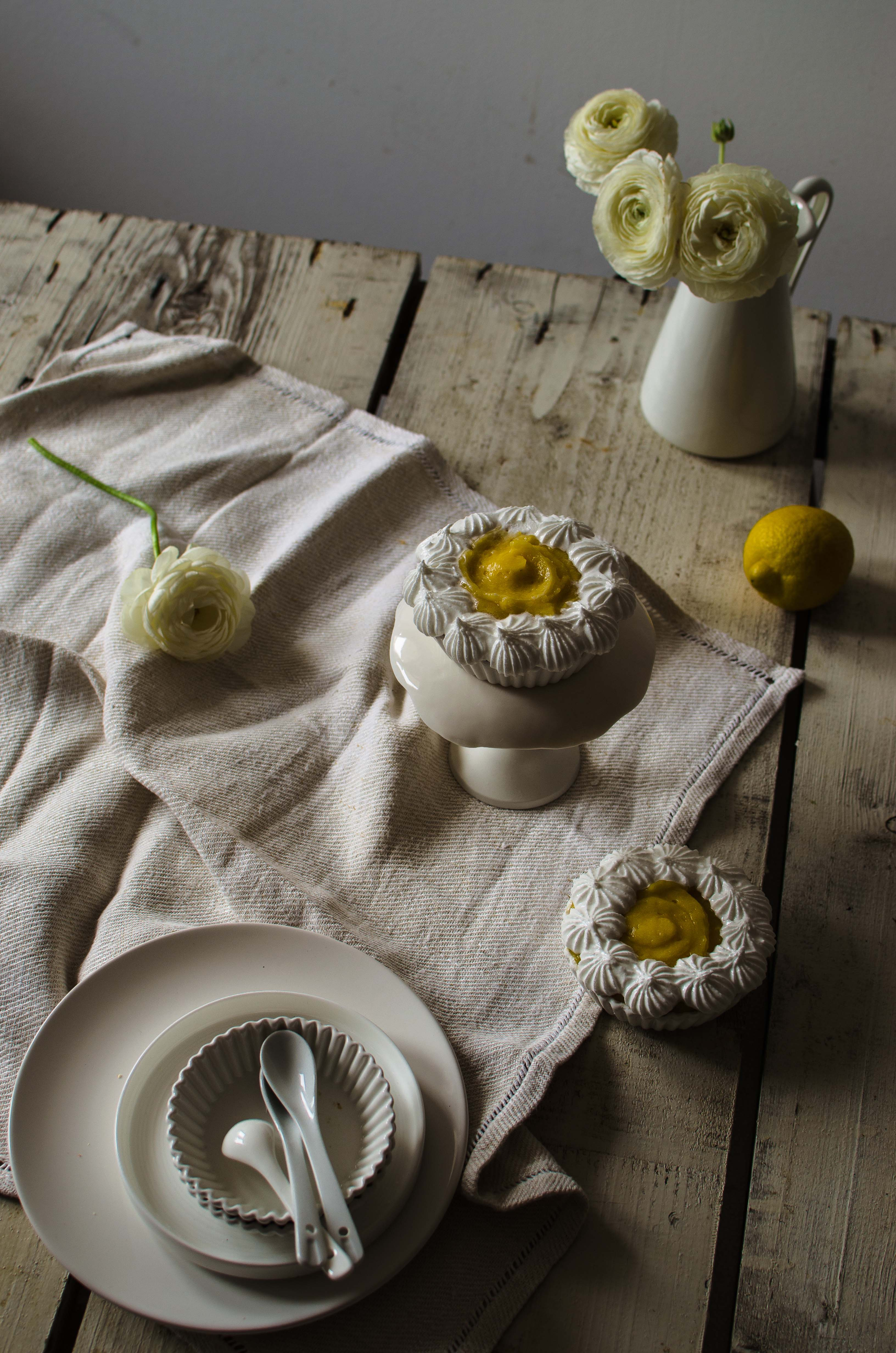 torta_meringa_limoone Financiers alle mandorle, crema al limone e meringa