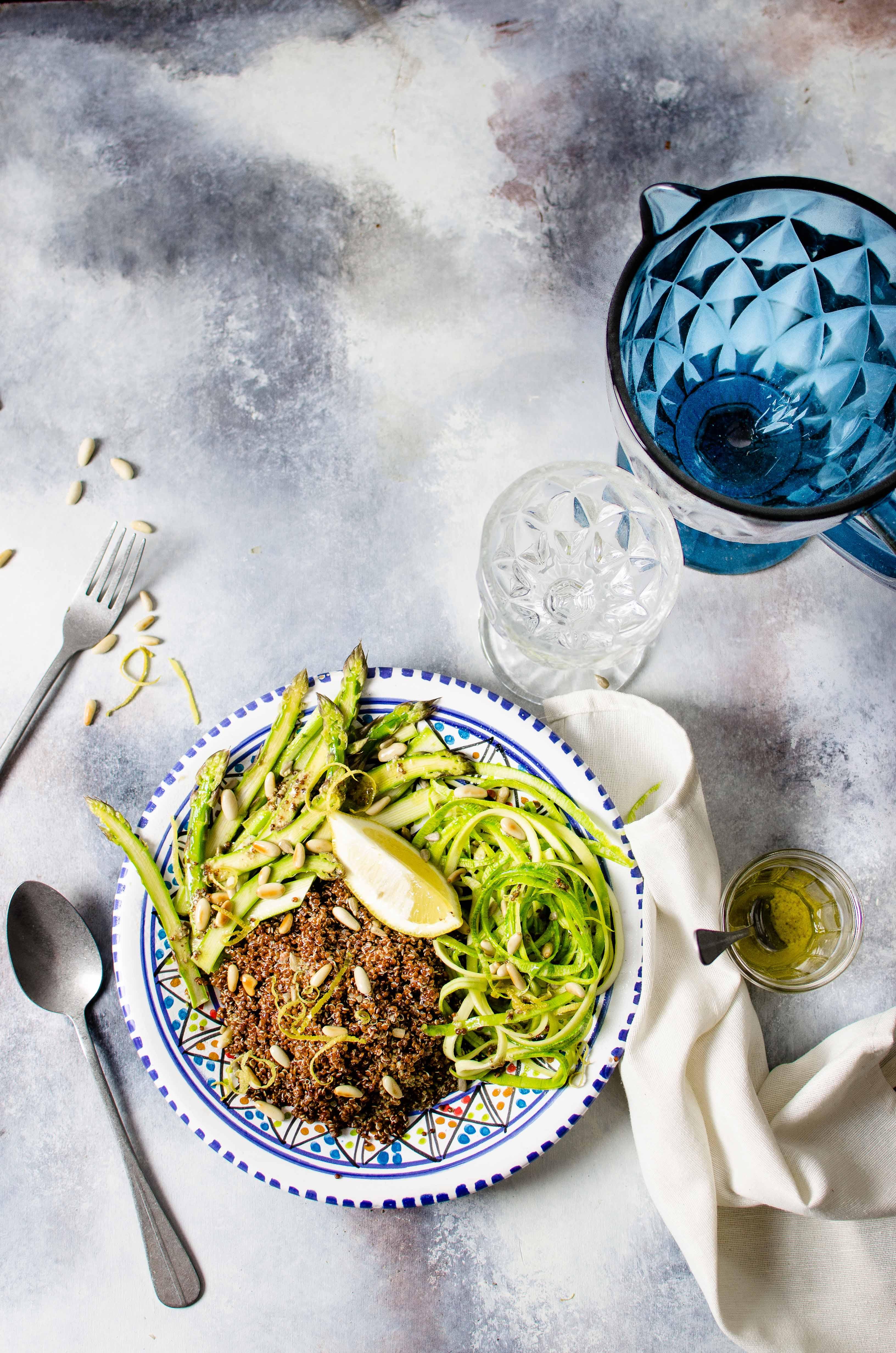 asparagi-quinoa-noodle Quinoa, noodles di zucchine ed asparagi
