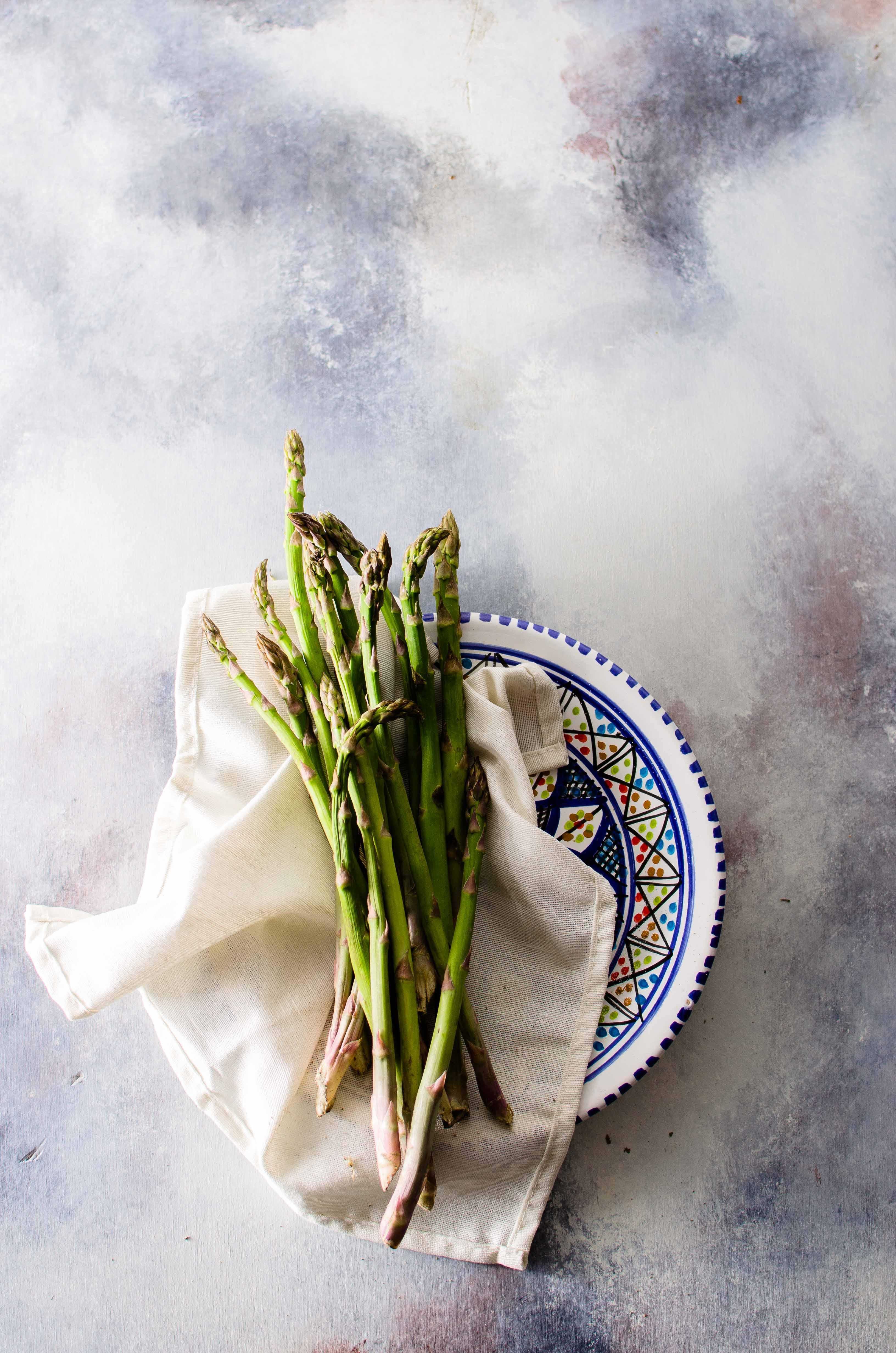 asparagi Quinoa, noodles di zucchine ed asparagi