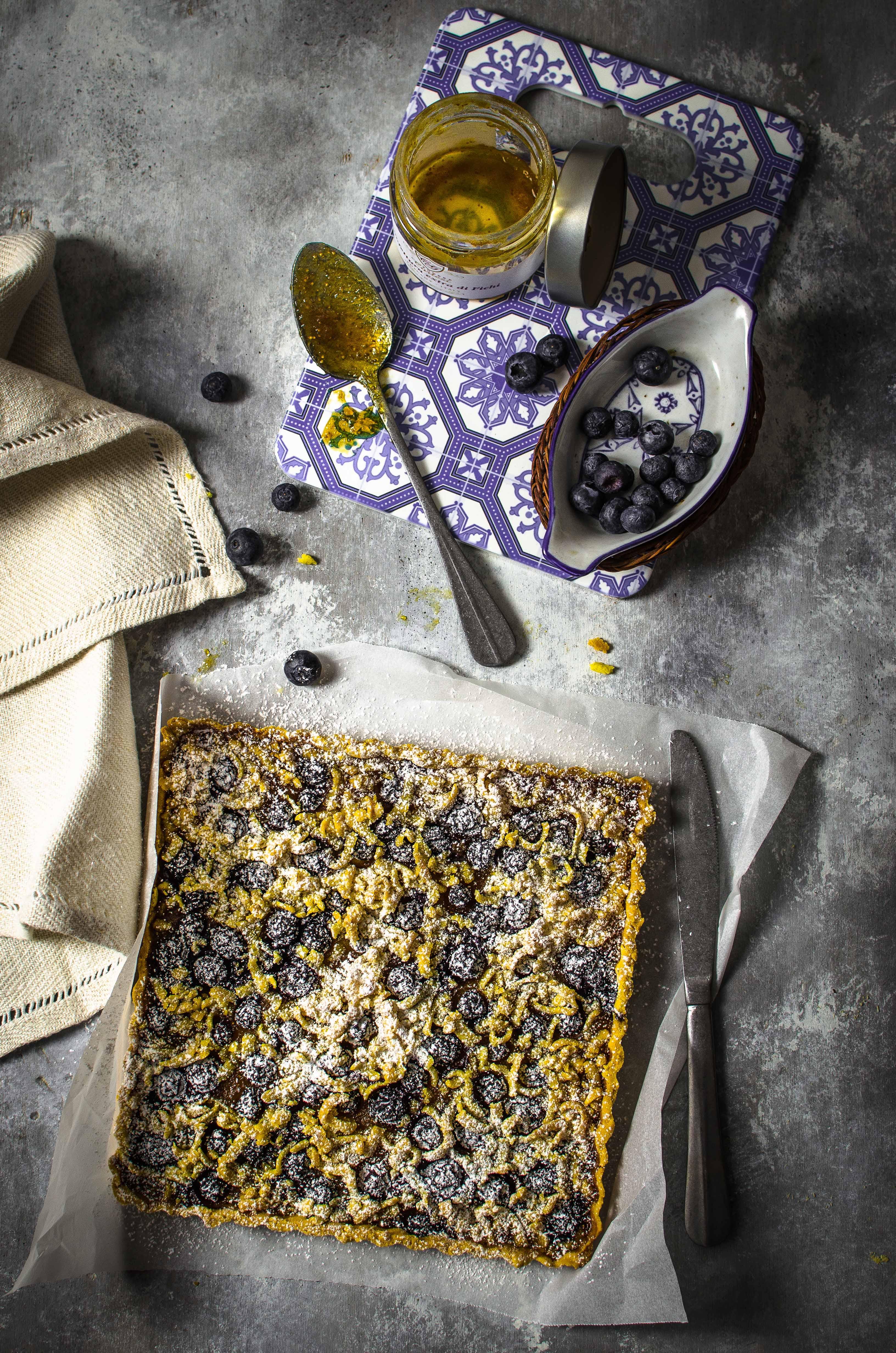 corstata-pasta-frolla-farina-mais Crostata con farina di mais, confettura di fichi e mirtilli freschi