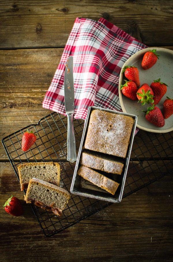 plum-cake-fragole-farina-riso-nero-600x906 Plum cake alle fragole e farina di riso nero
