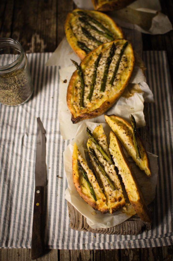 barchette-erbe-provenzali-600x906 Barchette con asparagi e formaggio di capra