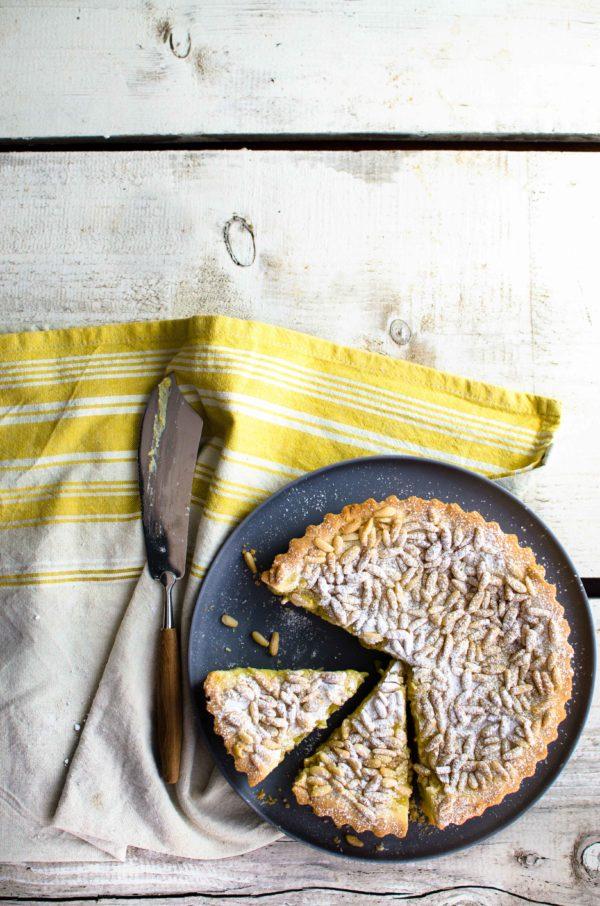torta-pinoli-crema-pasticcera-600x906 Torta della nonna