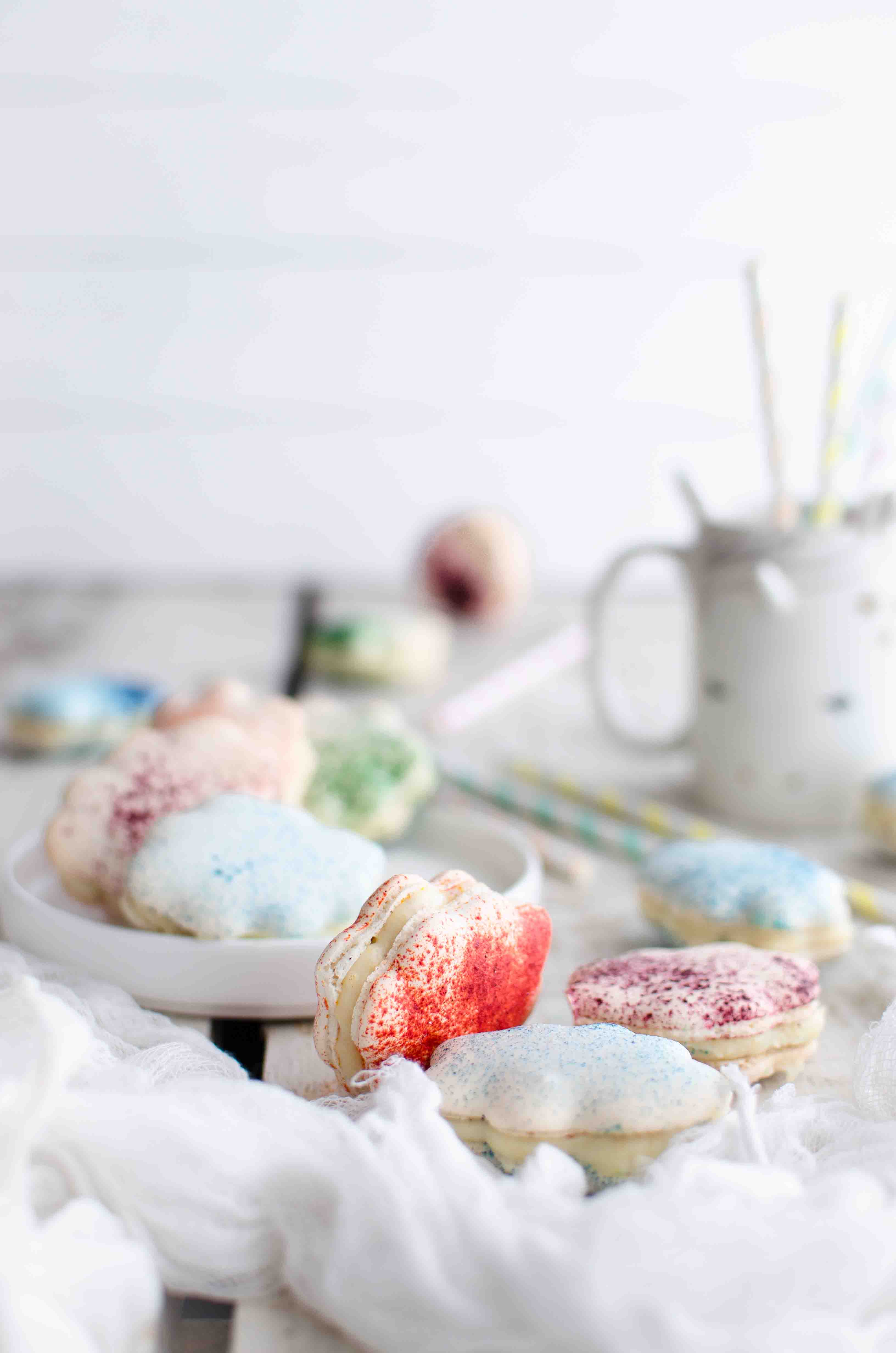 macarons-cioccolato-bianco Macarons nuvoletta al cioccolato bianco, lavanda e pesche