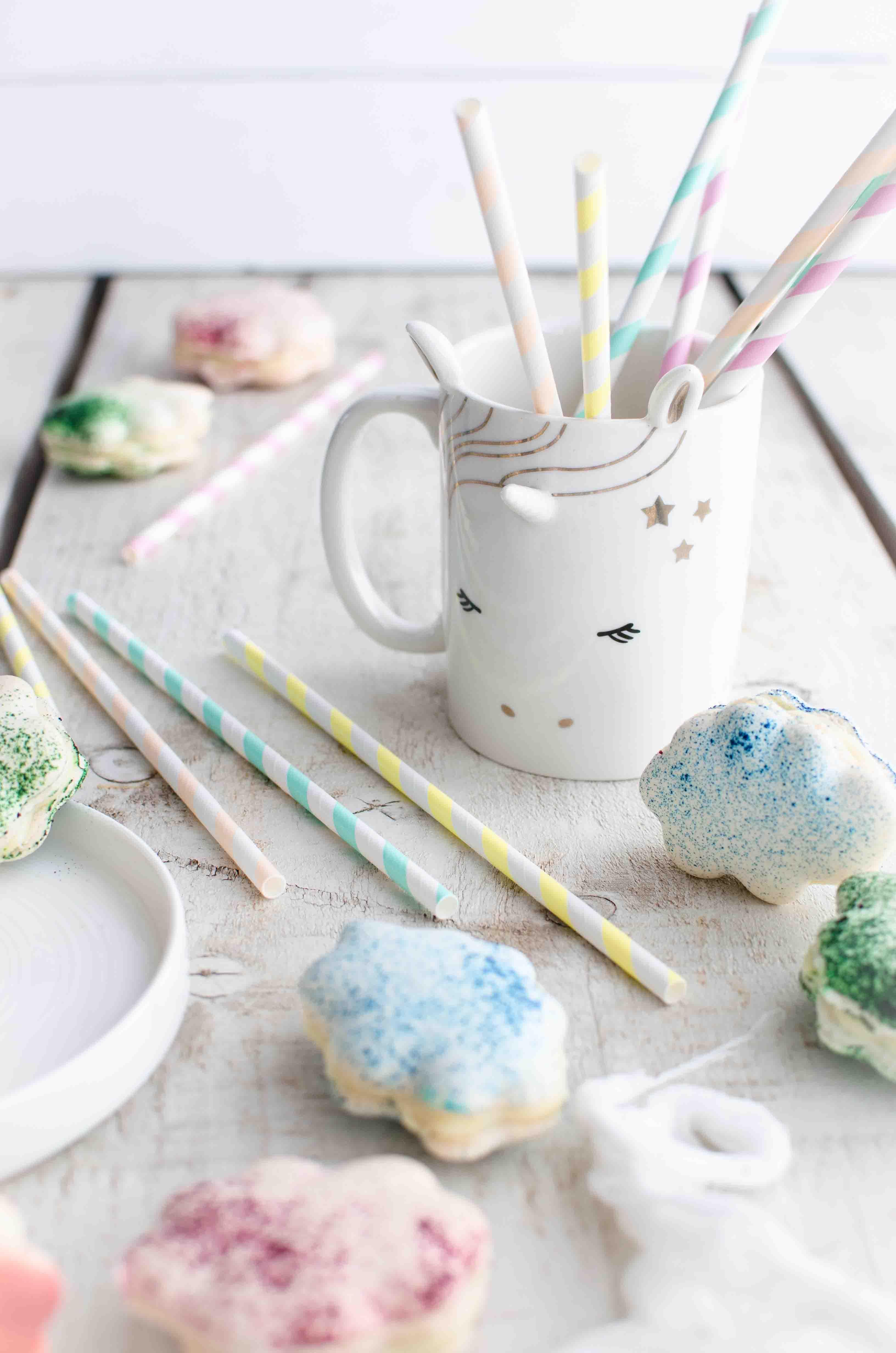 macarons-unicorn-rainbow Macarons nuvoletta al cioccolato bianco, lavanda e pesche