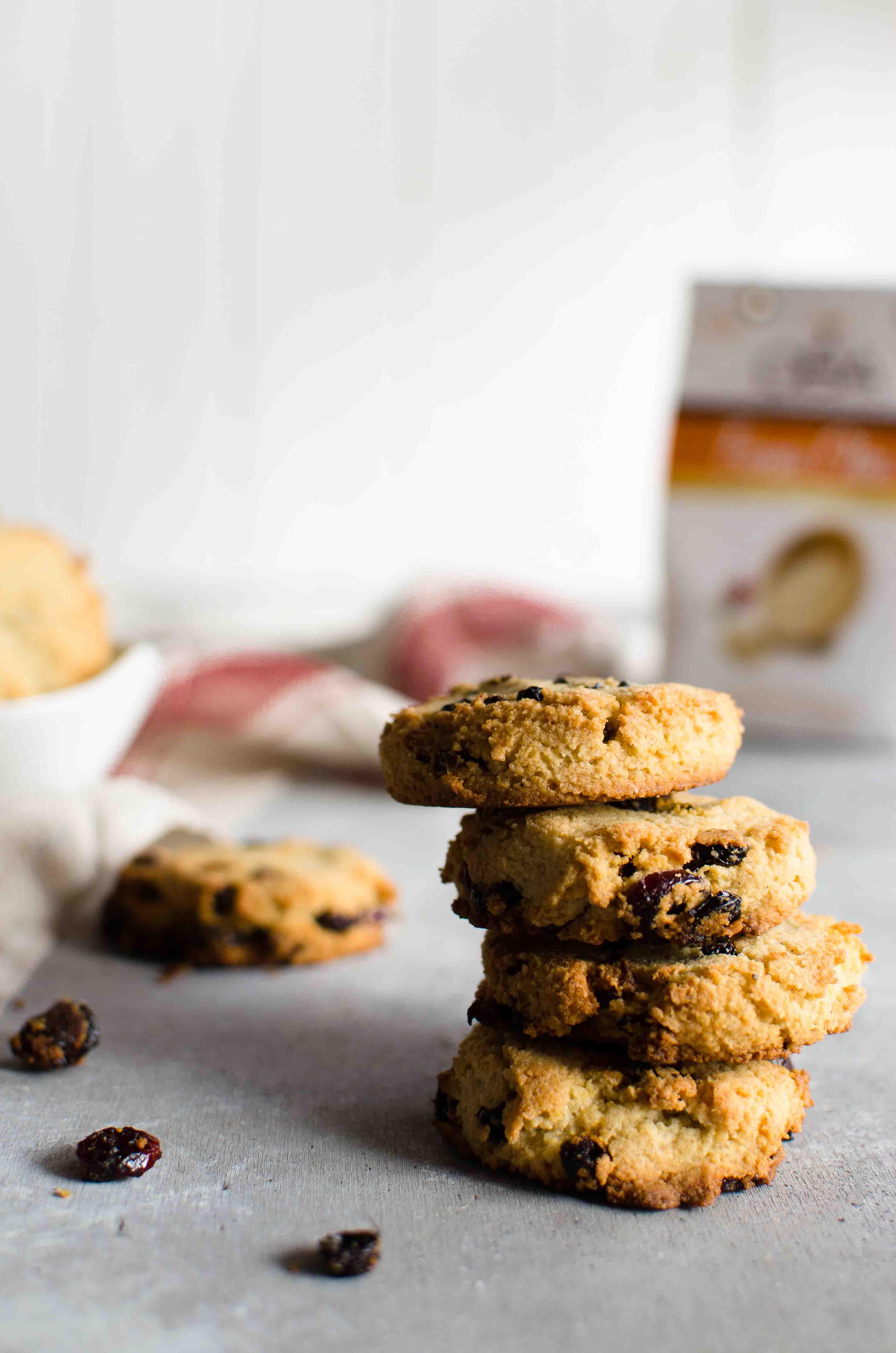 cookies-fonio Cookies con fonio, mandorle e frutti rossi